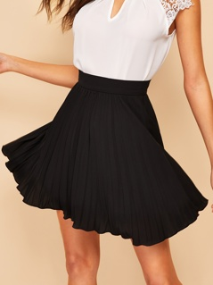 Zip Side Pleated Skirt