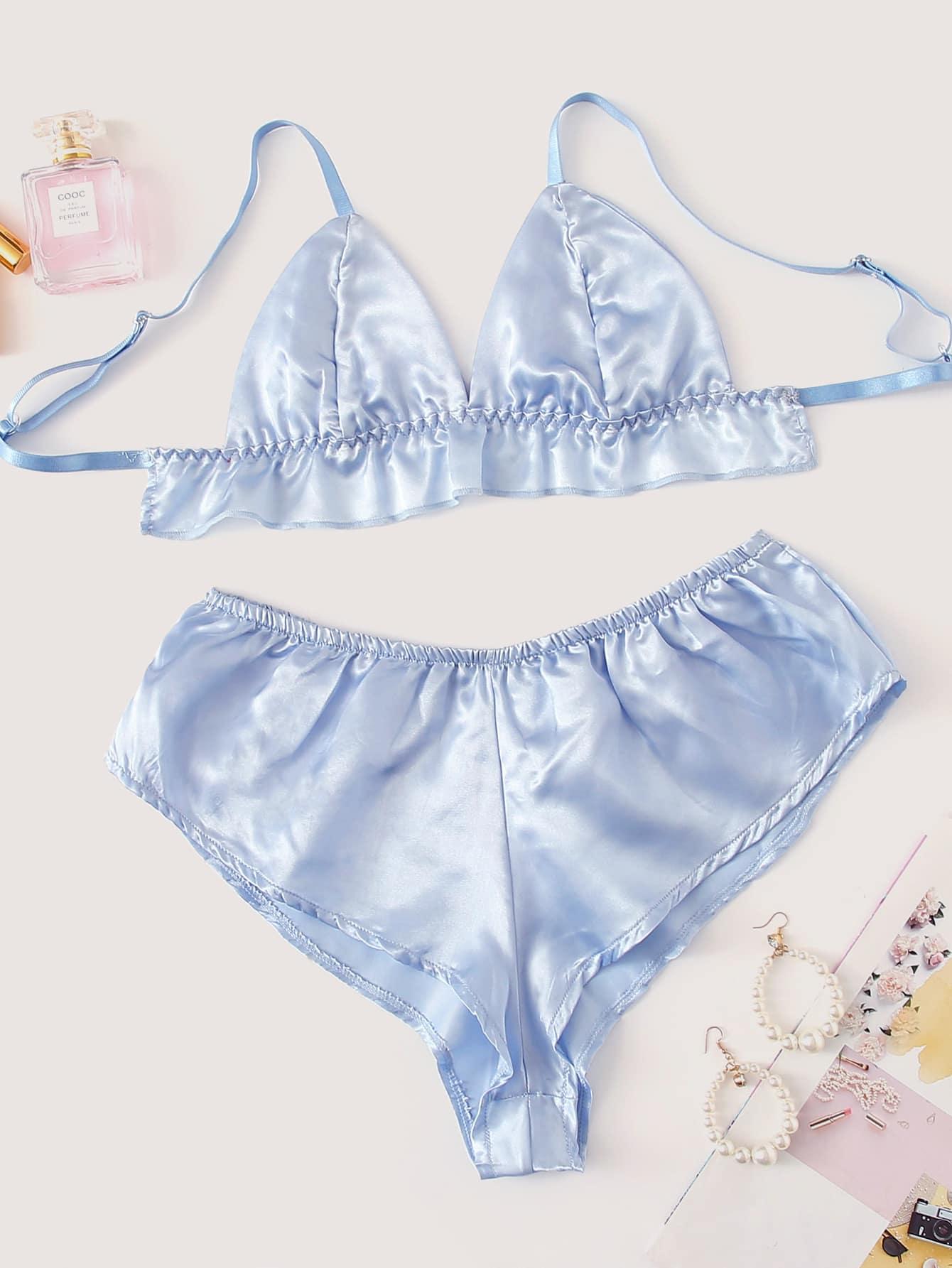 Фото - Атласный комплект белья с рюшами от SheIn синего цвета