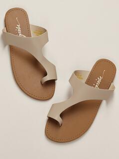 Toe Ring Asymmetric Band Flat Slide Sandals