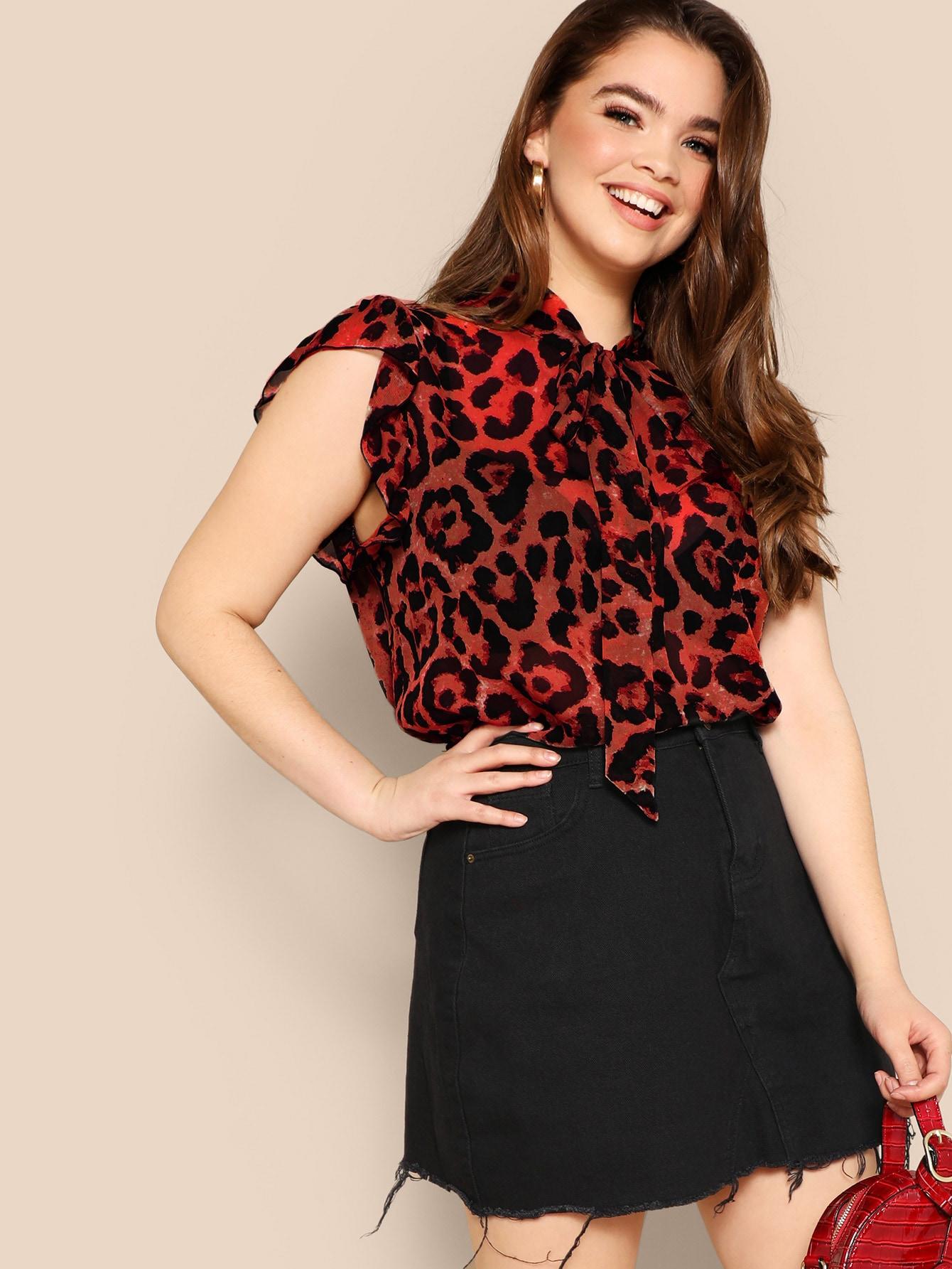 Фото - Размера плюс леопардовая блуза с воротник-бантом и оборкой от SheIn цвет многихцветные