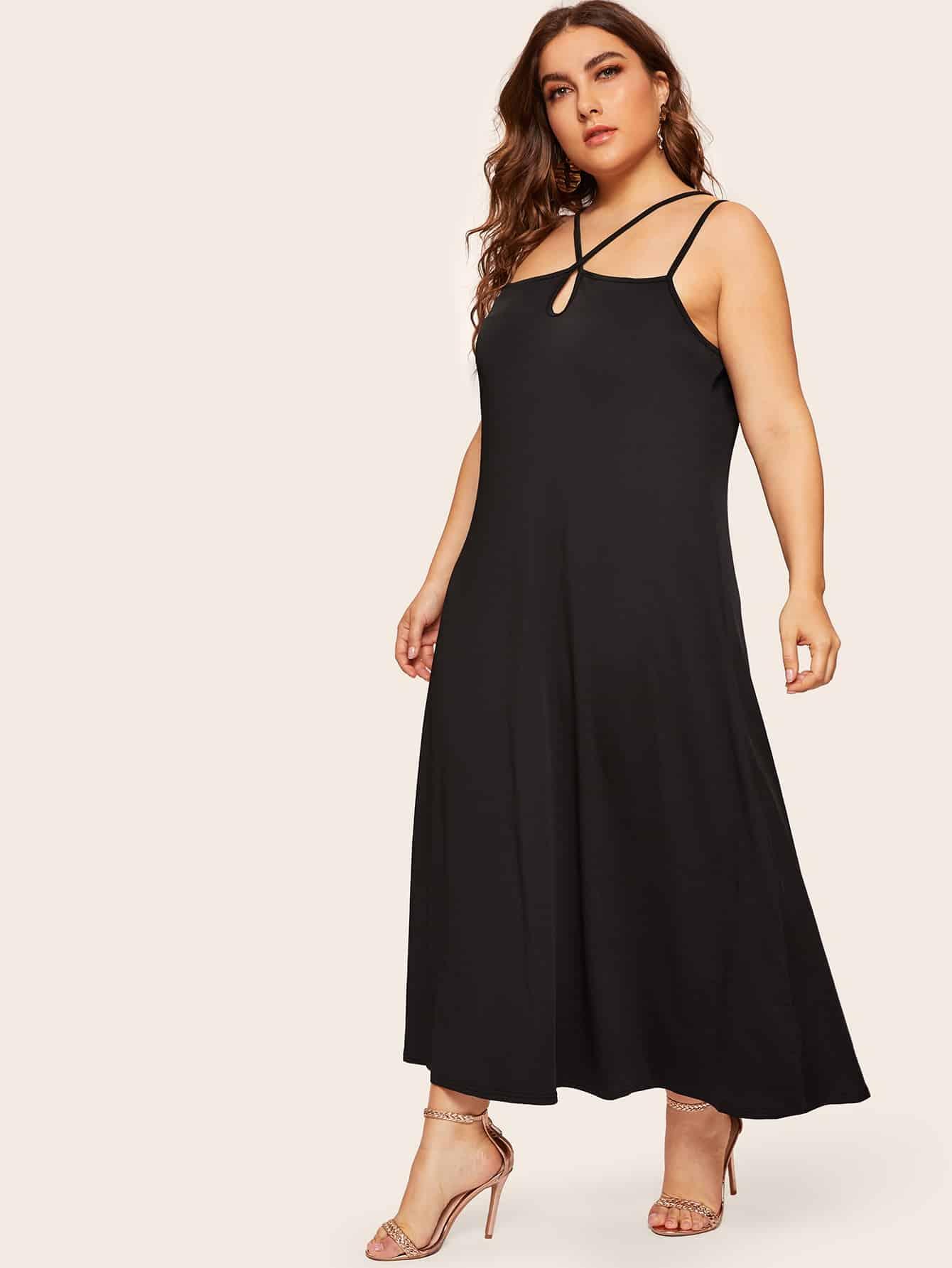 Размера плюс длинное платье на шнуровке