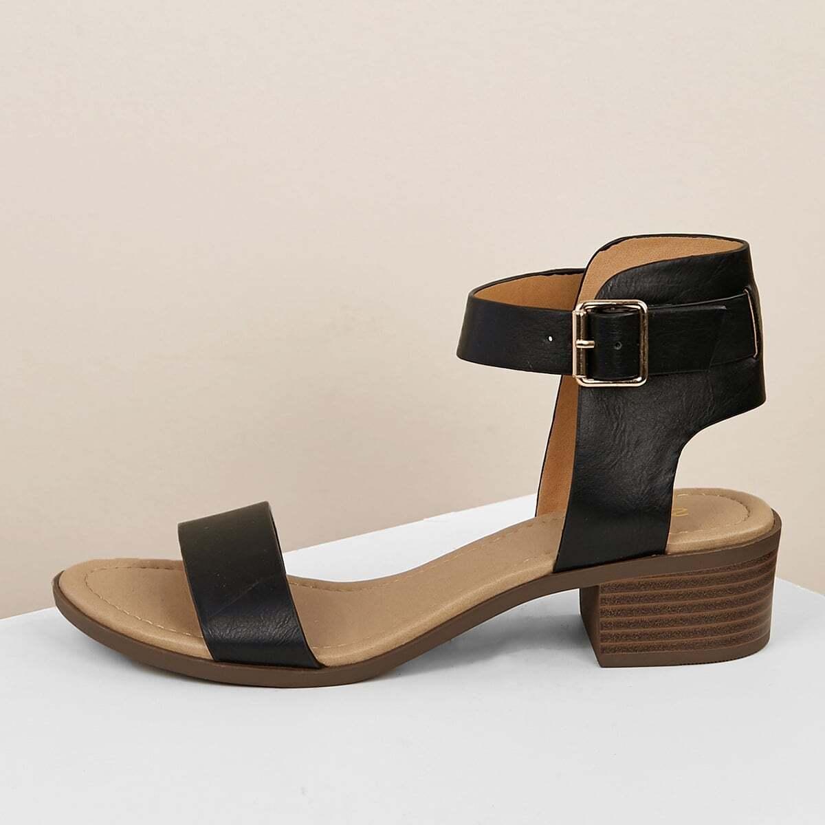 Низкие каблуки с пряжкой на щиколотке от SHEIN