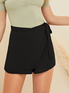 Wrap Knot Waist Solid Shorts