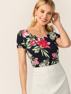 Large Flower Scallop Edge Top