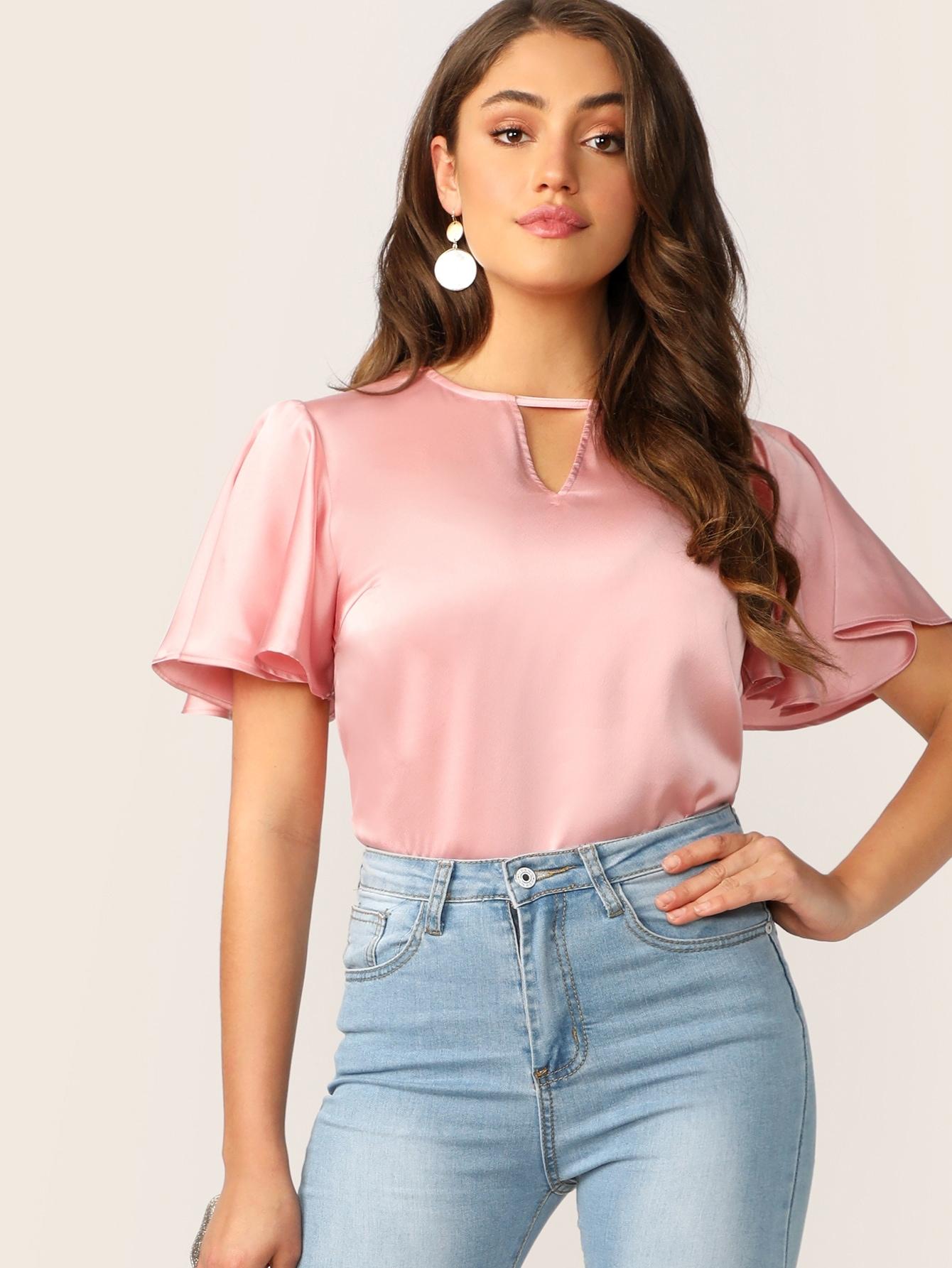 Фото - Ажурная блузка с оригинальным плечом от SheIn розового цвета