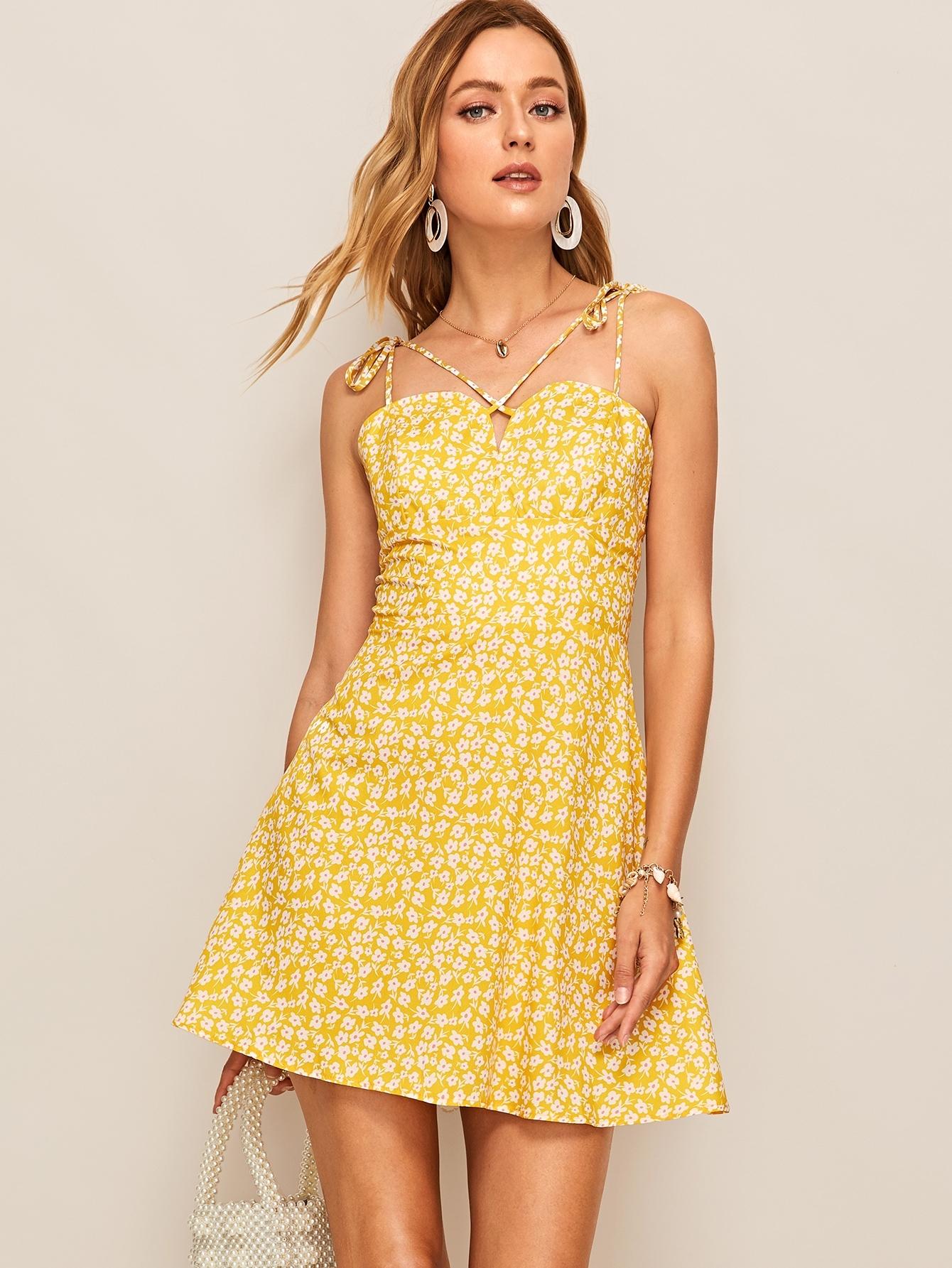 Фото - Платье с цветочным принтом и узлом на плечах от SheIn цвет жёлтые