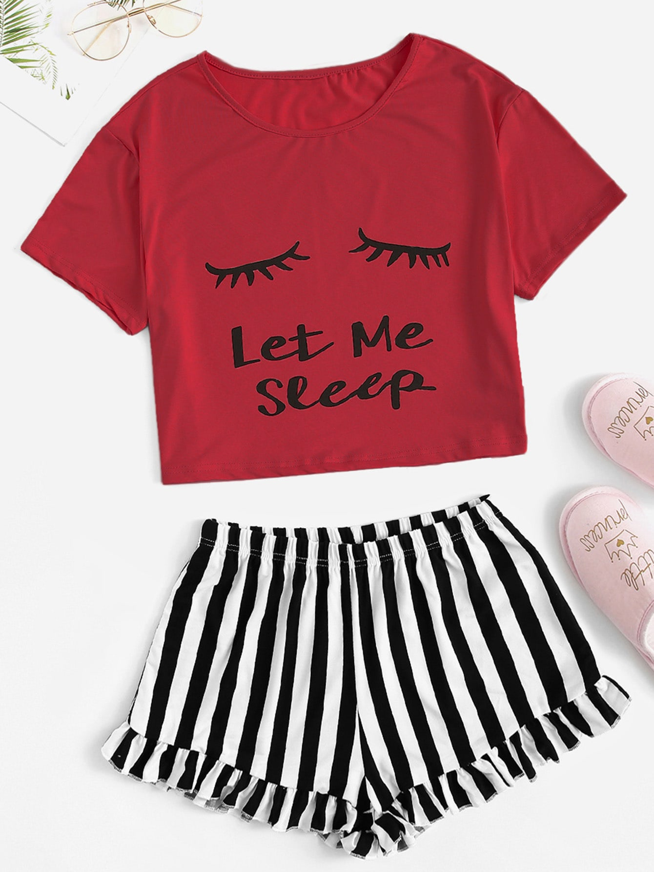 Фото - Пижамный комплект футболка с текстовым принтом и полосатые шорты от SheIn цвет многоцветный