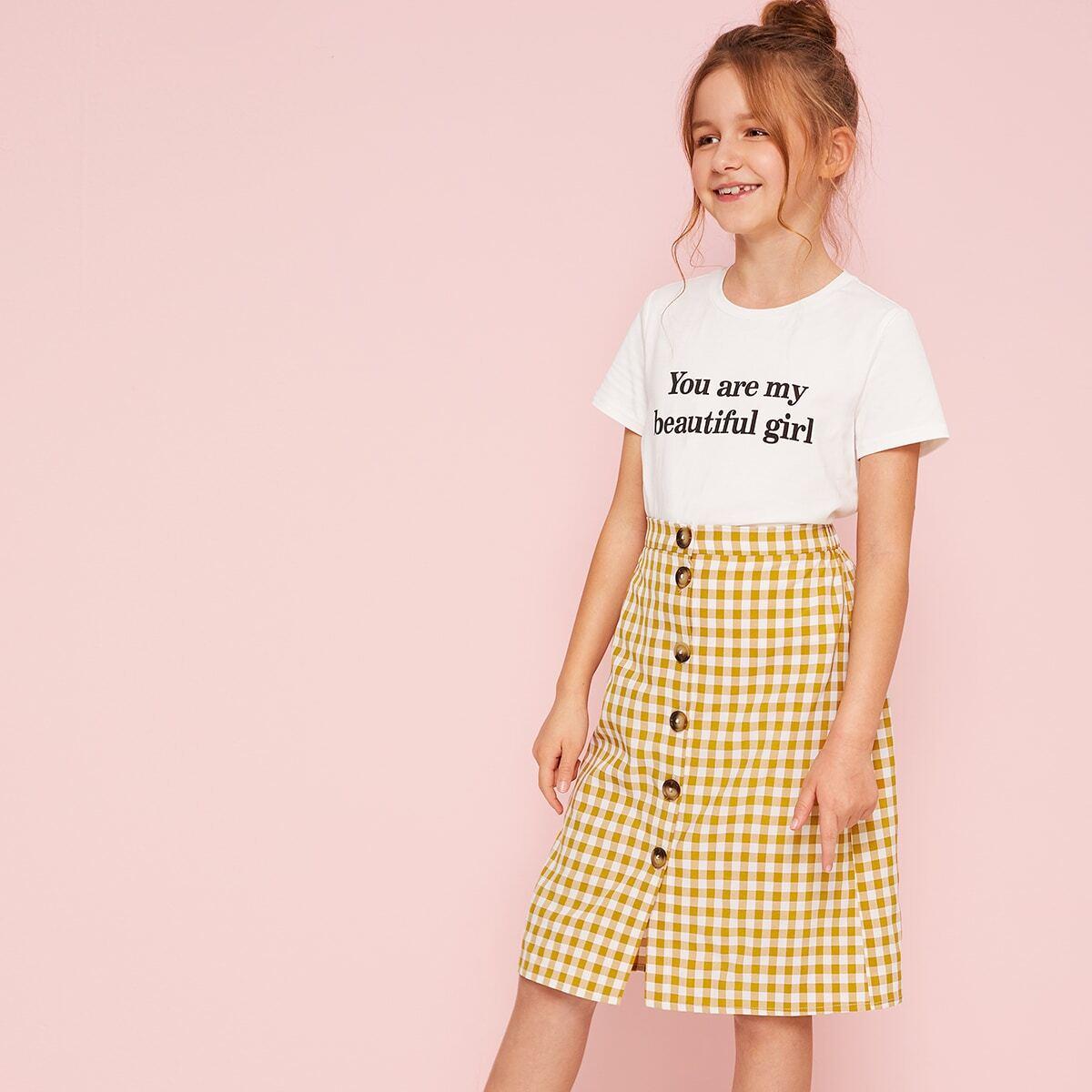 SHEIN / Mädchen T-Shirt mit Buchstaben Grafik & Rock mit Knöpfen und Karo Muster Set
