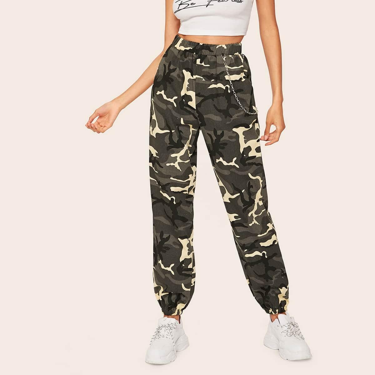 SHEIN Hose mit Kette Muster und Camo Muster