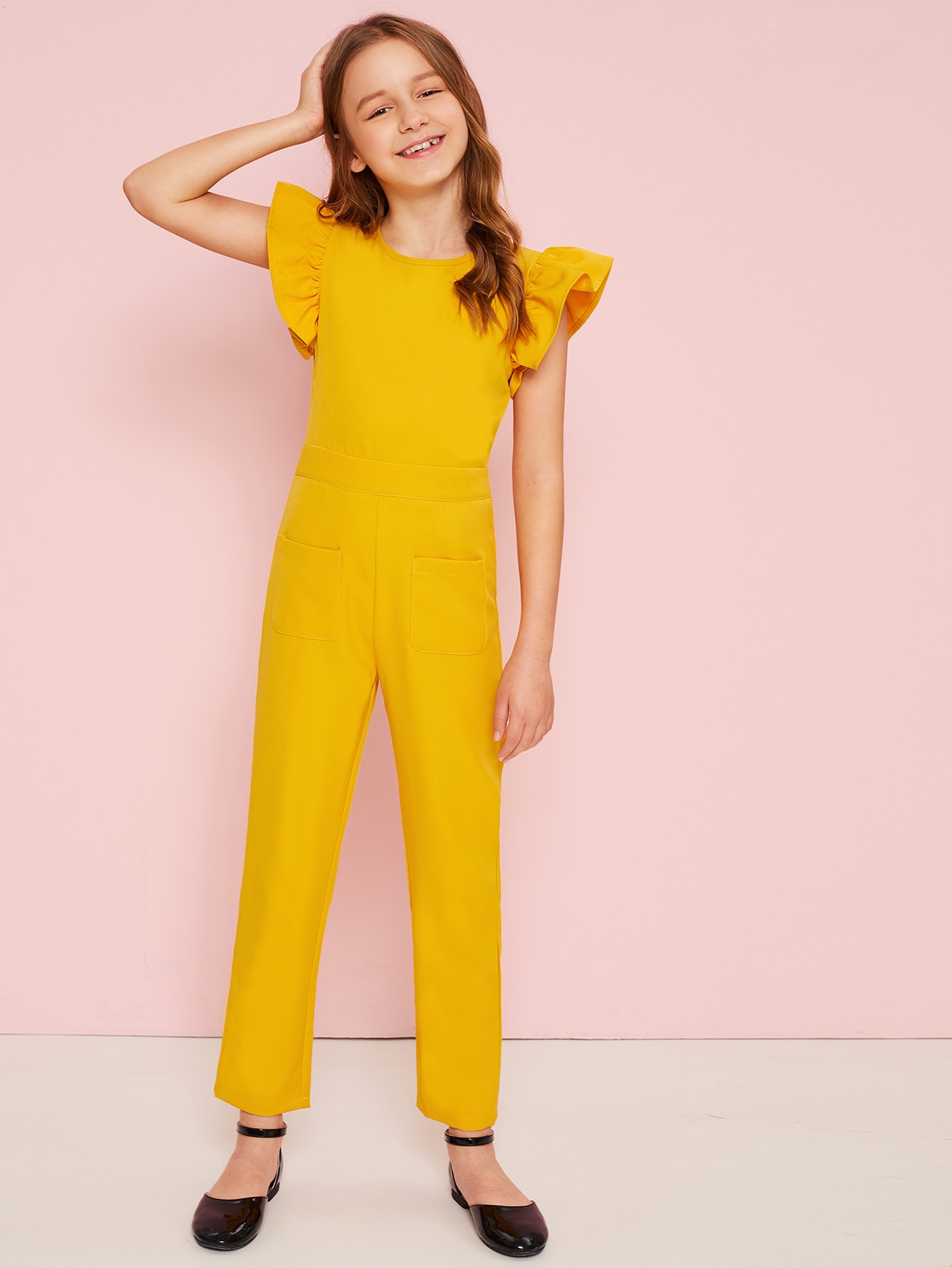 Фото - Комбинезон с карманом и оборками для девочек от SheIn желтого цвета
