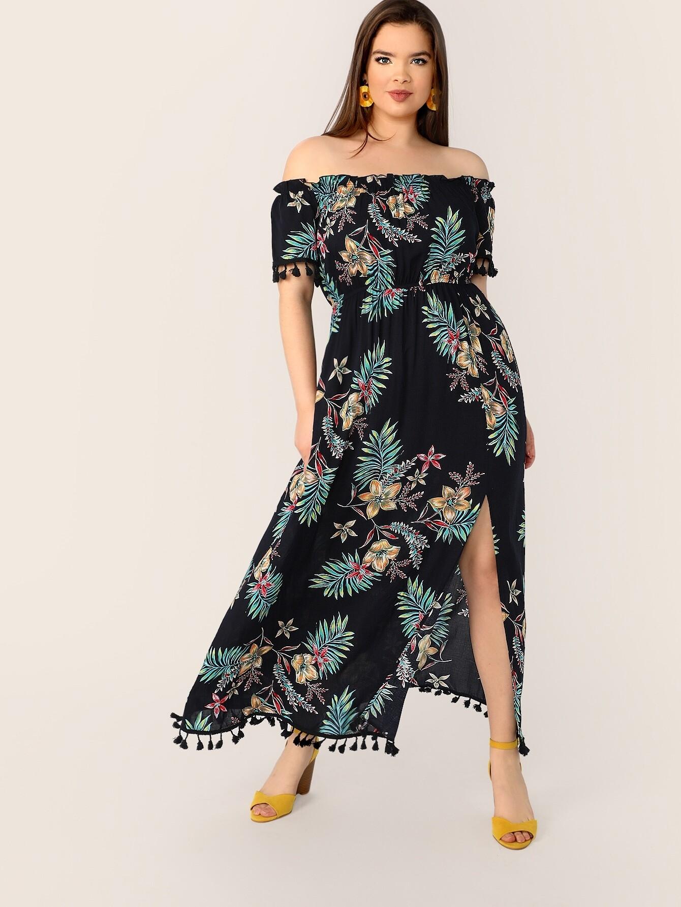 Размер плюс платье с тропическим принтом и разрезом и бахромой