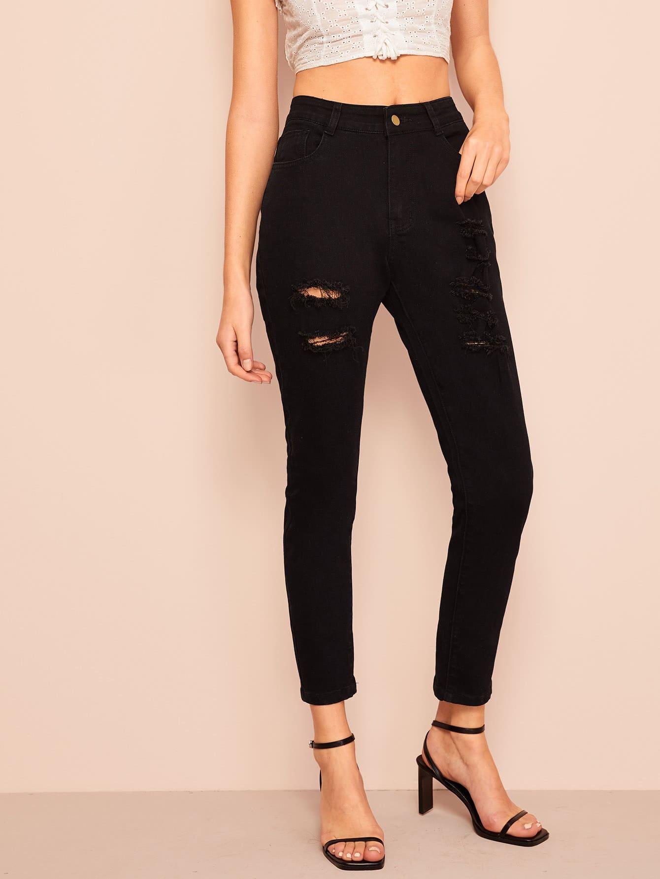 Фото - Рваные джинсы с пуговицами от SheIn черного цвета