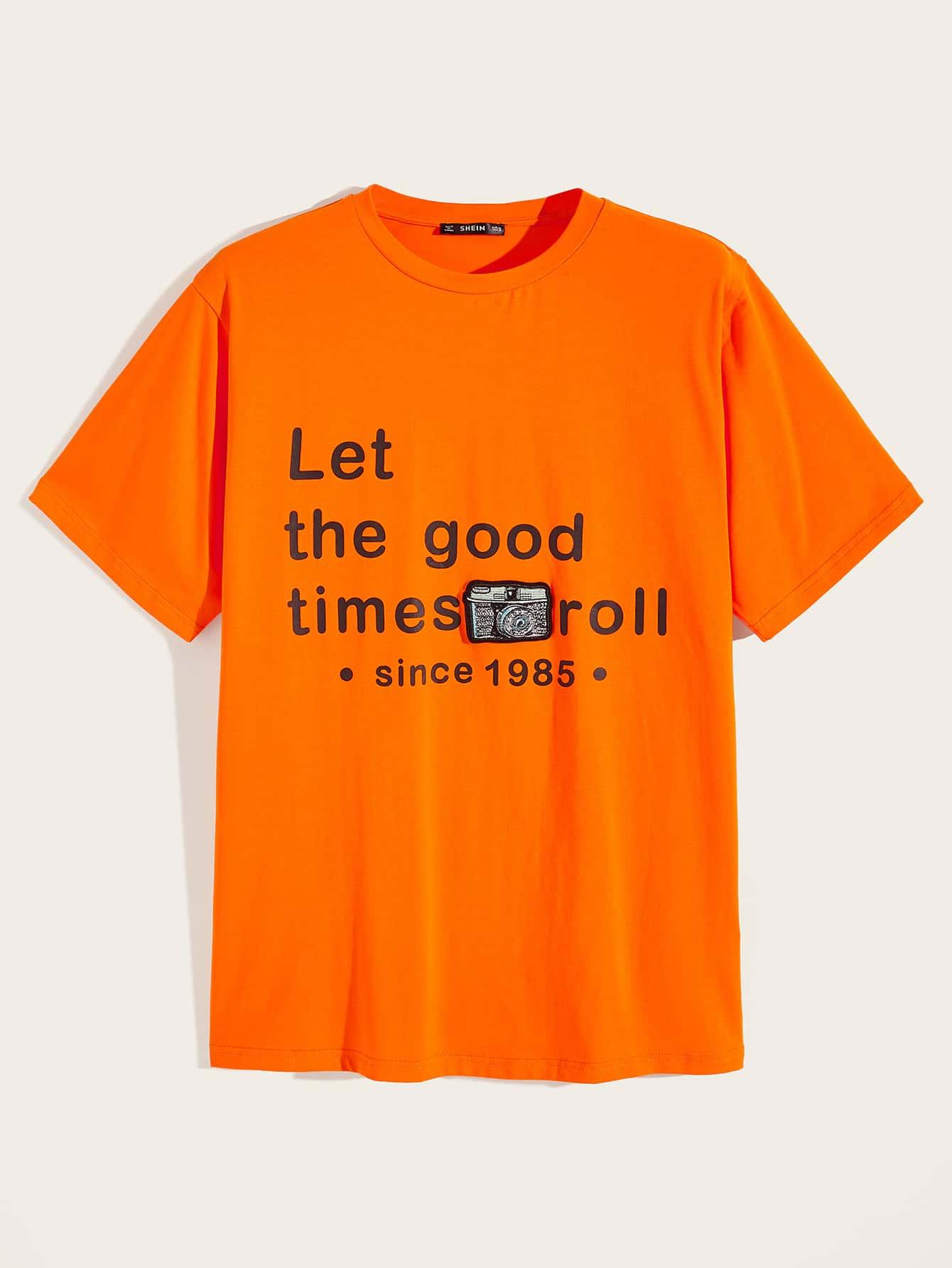 Фото - Мужская футболка с текстовым принтом от SheIn оранжевого цвета