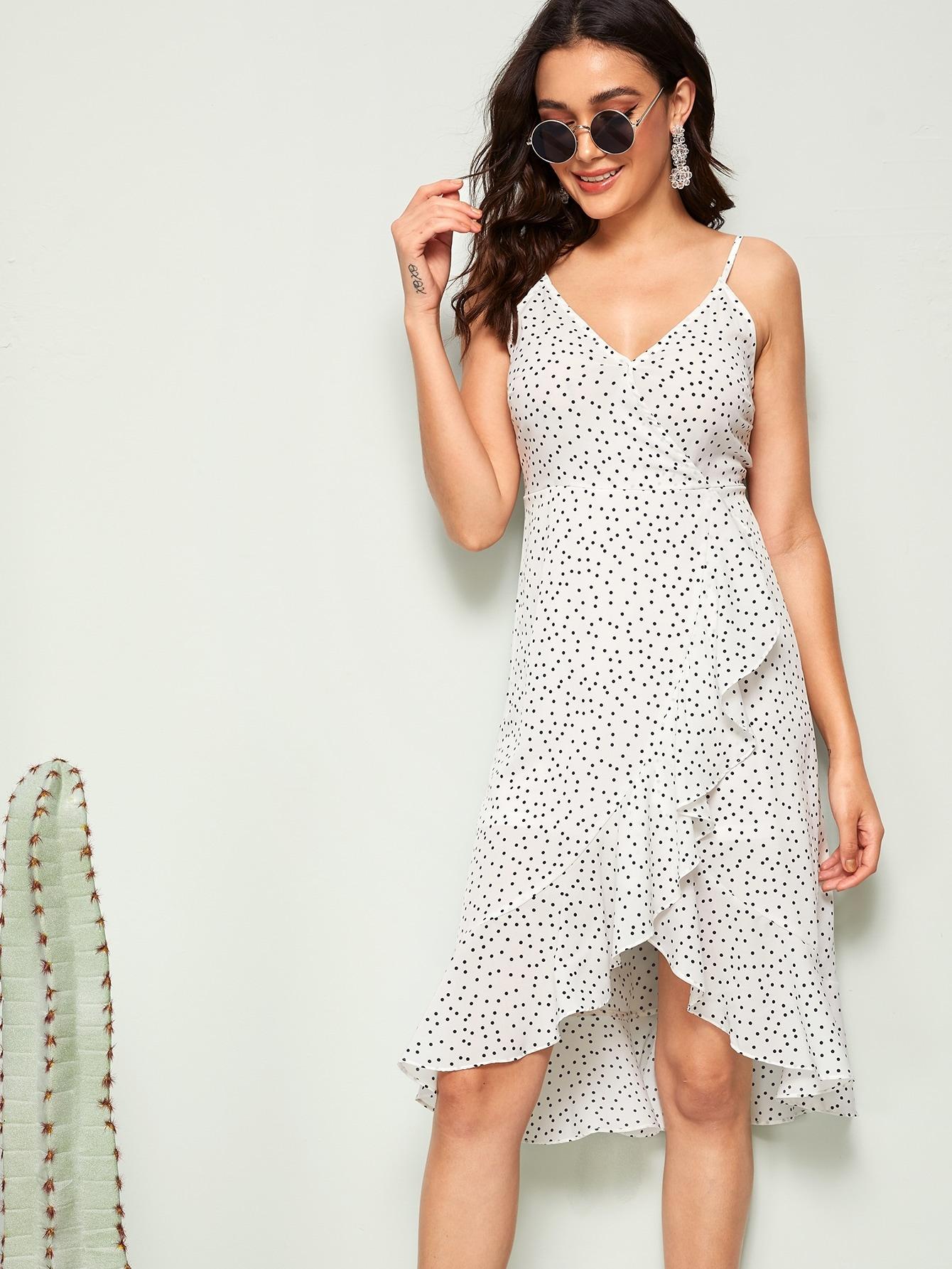 Фото - Платье на запах в горошек с оборкой от SheIn цвет белые