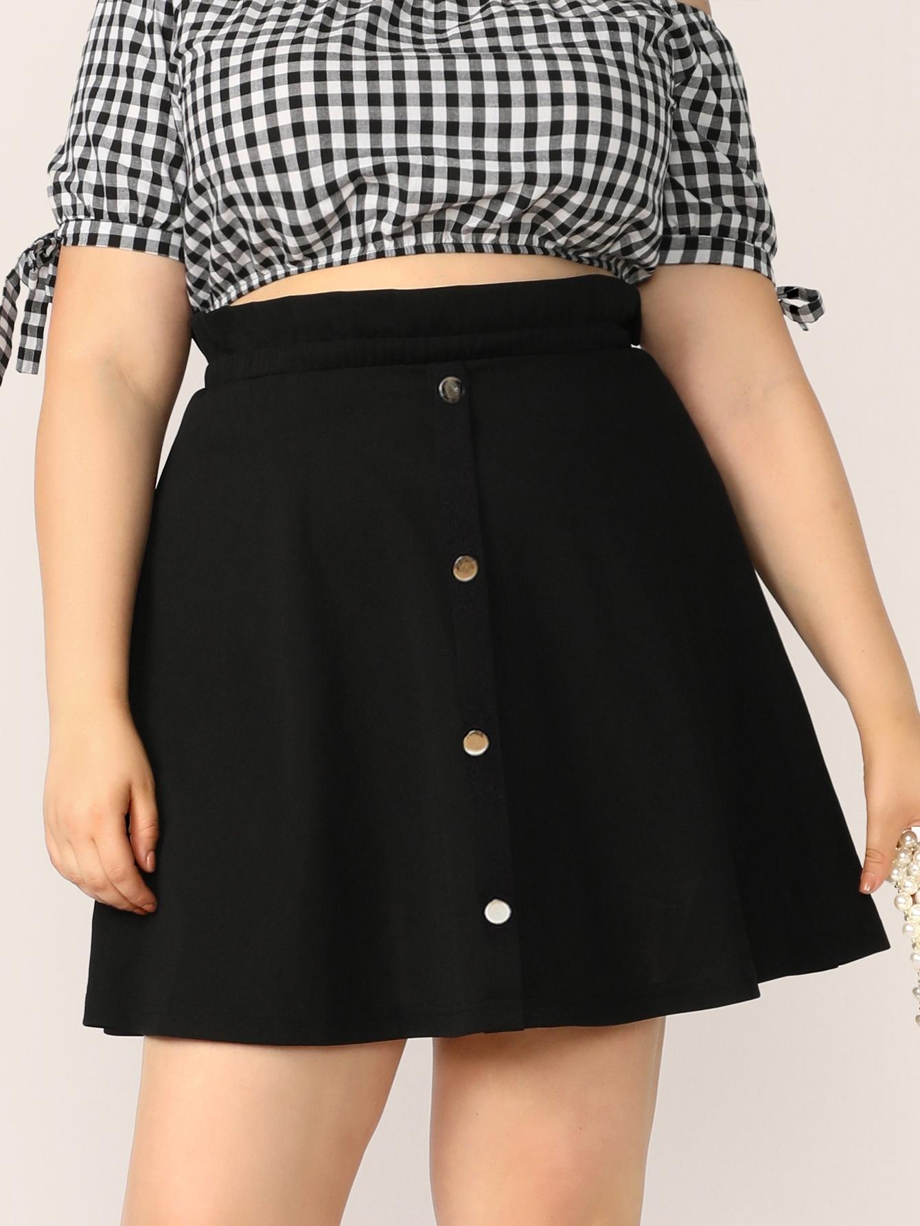 Фото - Размер плюс юбка на пуговицах с присборенной талией от SheIn цвет чёрные