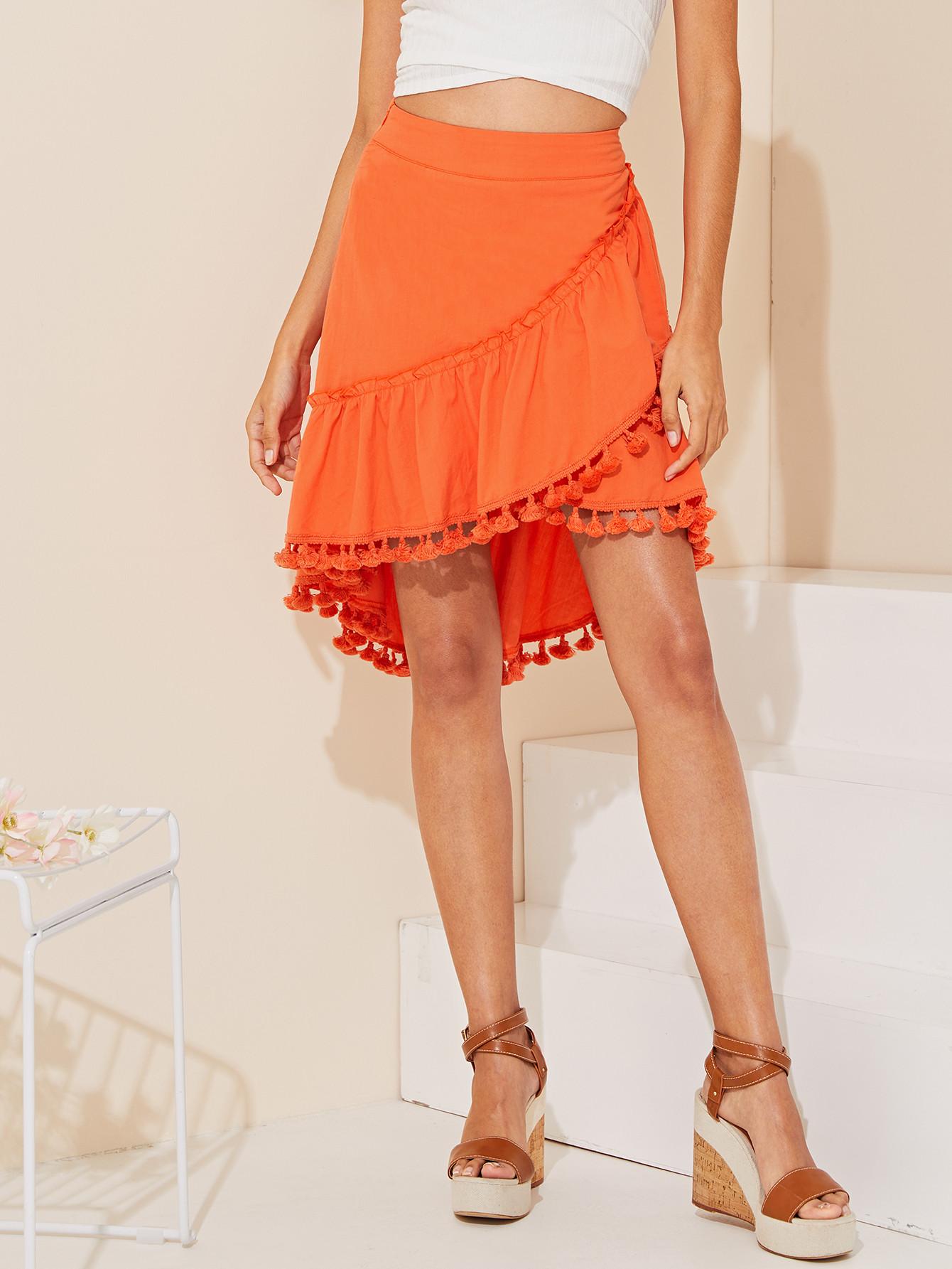 Фото - Асимметричная юбка на запах с бахромой от SheIn оранжевого цвета