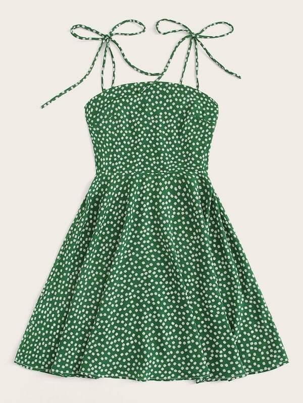 Платье на бретелях с цветочным принтом размера плюс