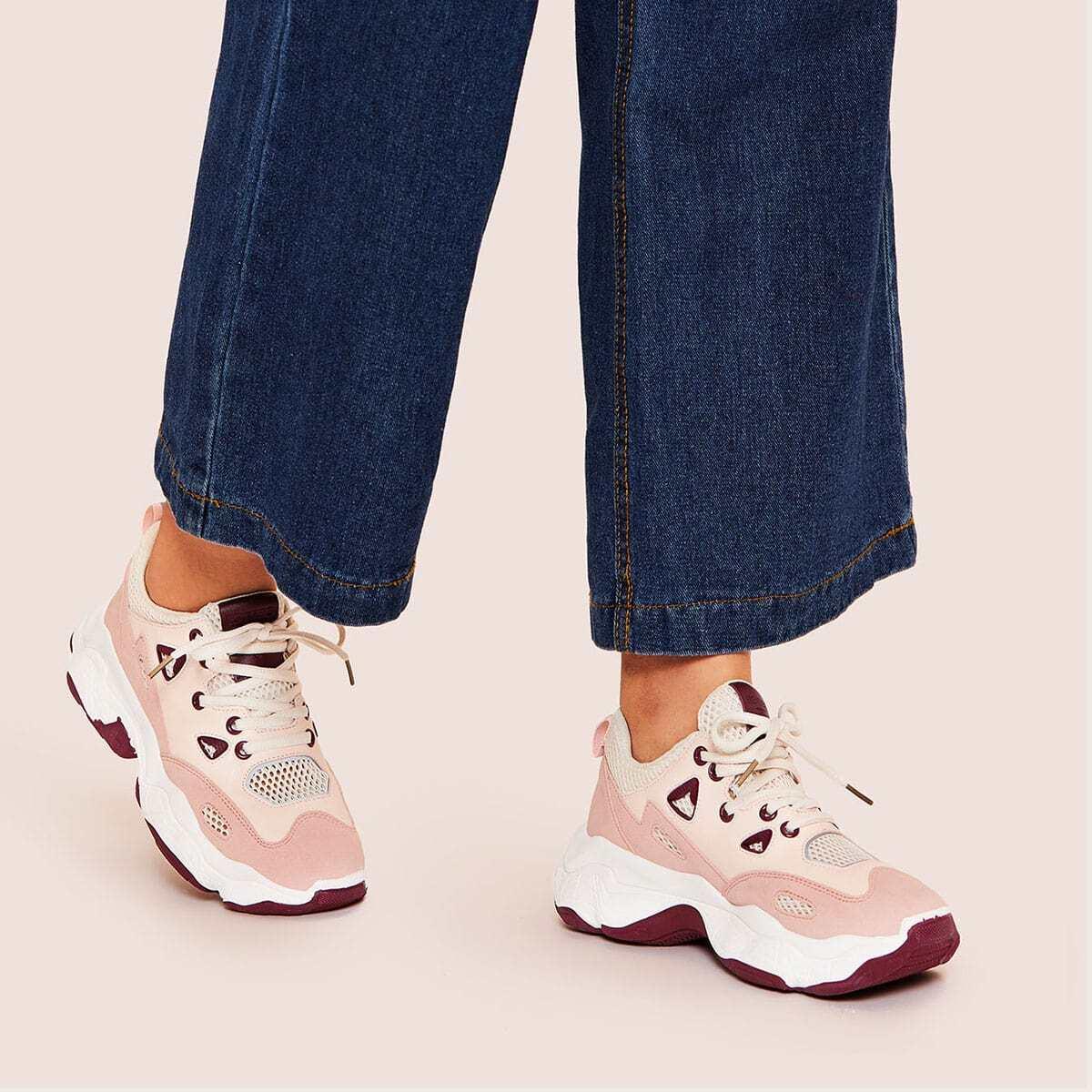 Кроссовки на шнуровке спереди от SHEIN