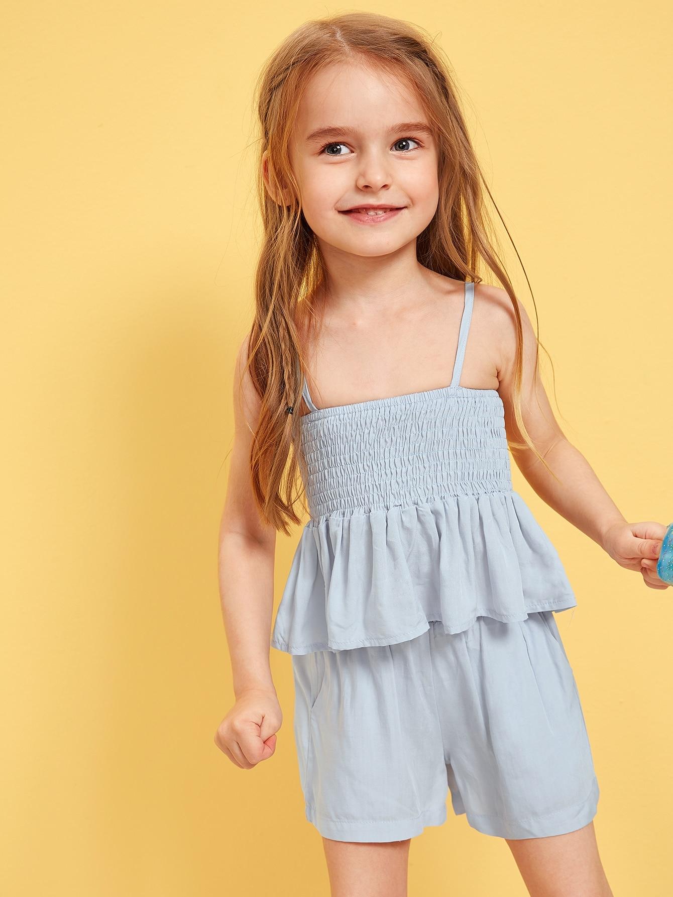 Фото - Майку со складкой и оборкой и шорты для девочек от SheIn синего цвета