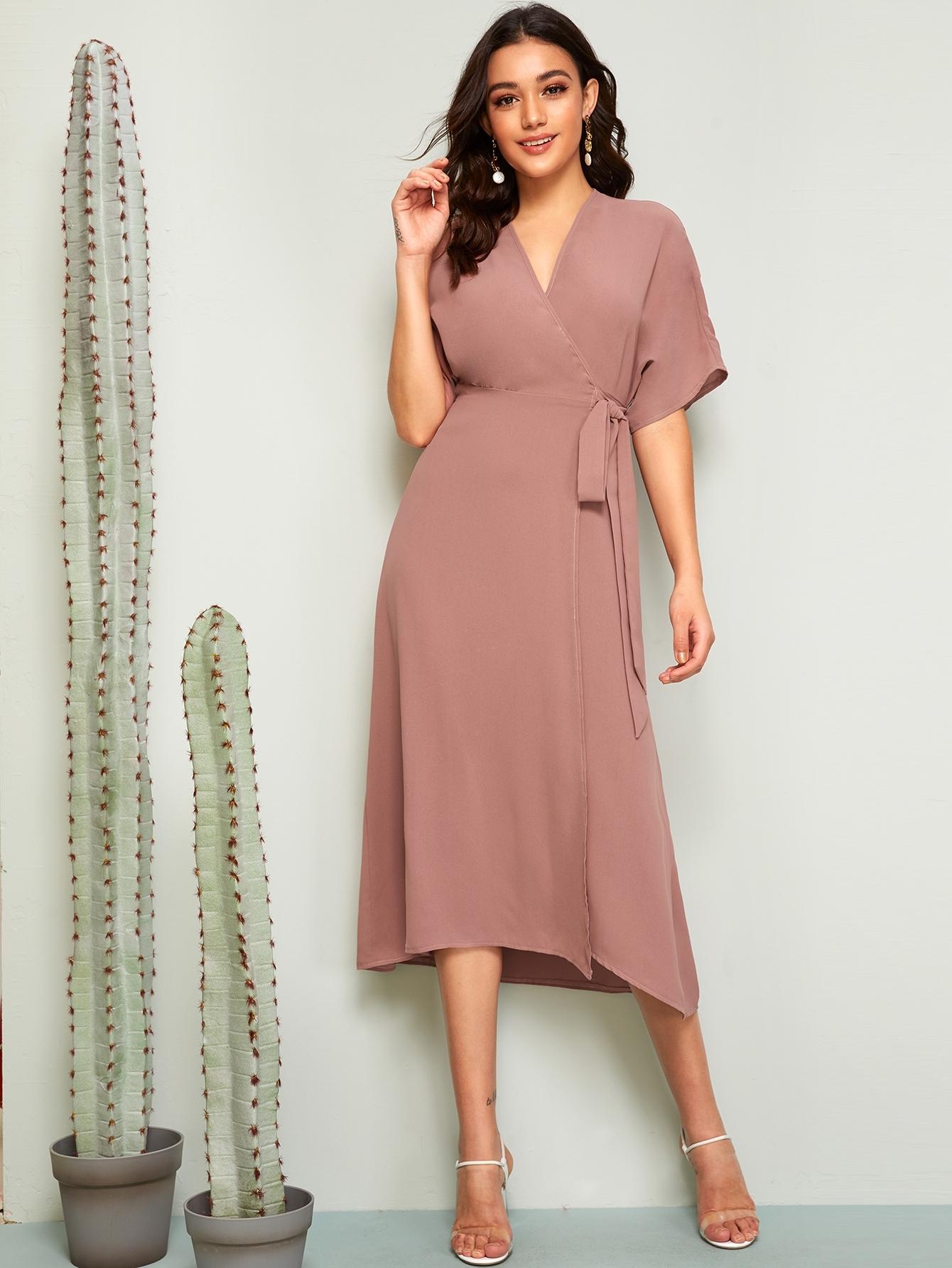 Фото - Платье с узлом и глубоким V-образным вырезом от SheIn цвет розовые