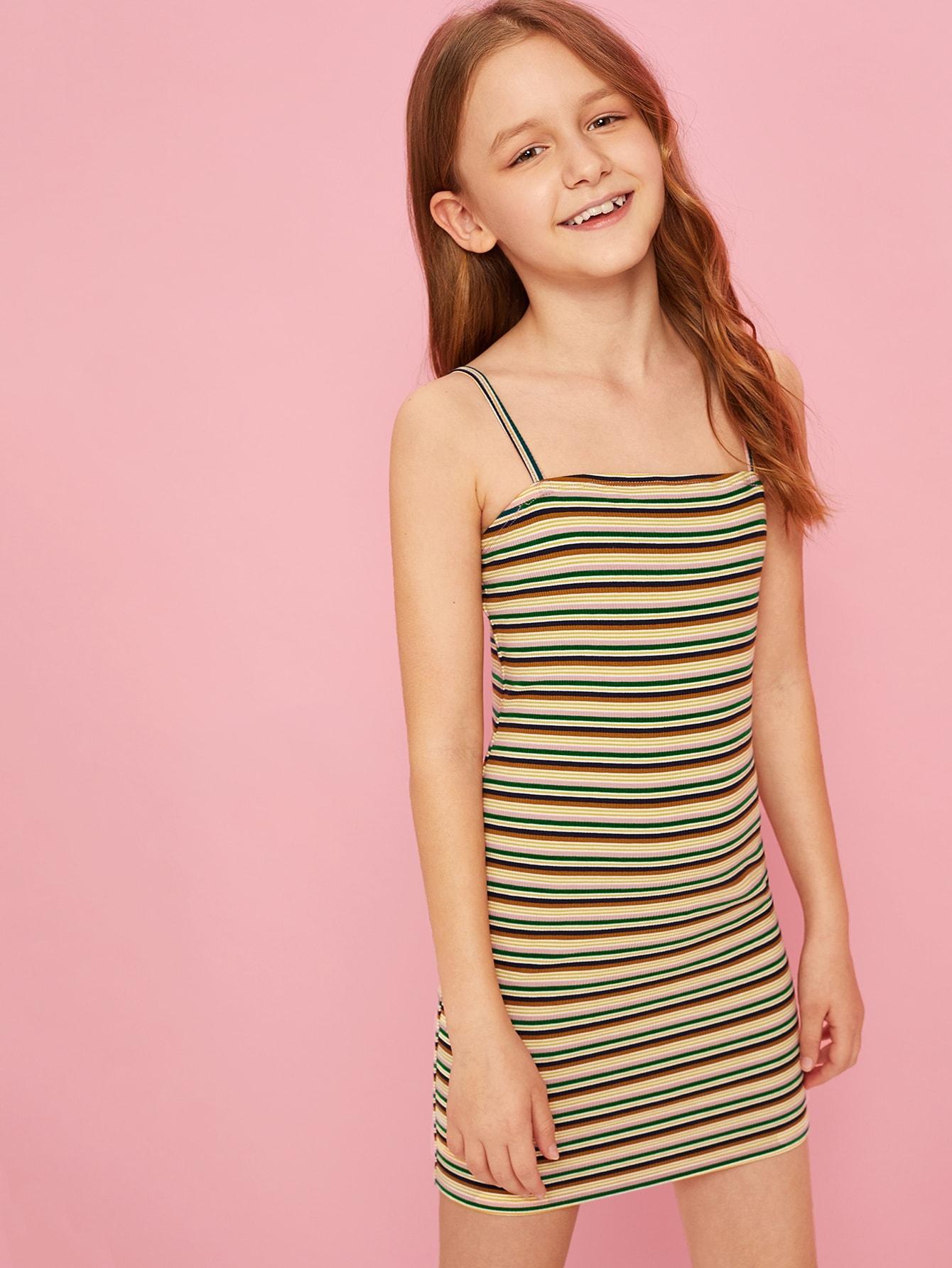 Фото - Полосатое платье на бретелях для девочек от SheIn цвет многоцветный