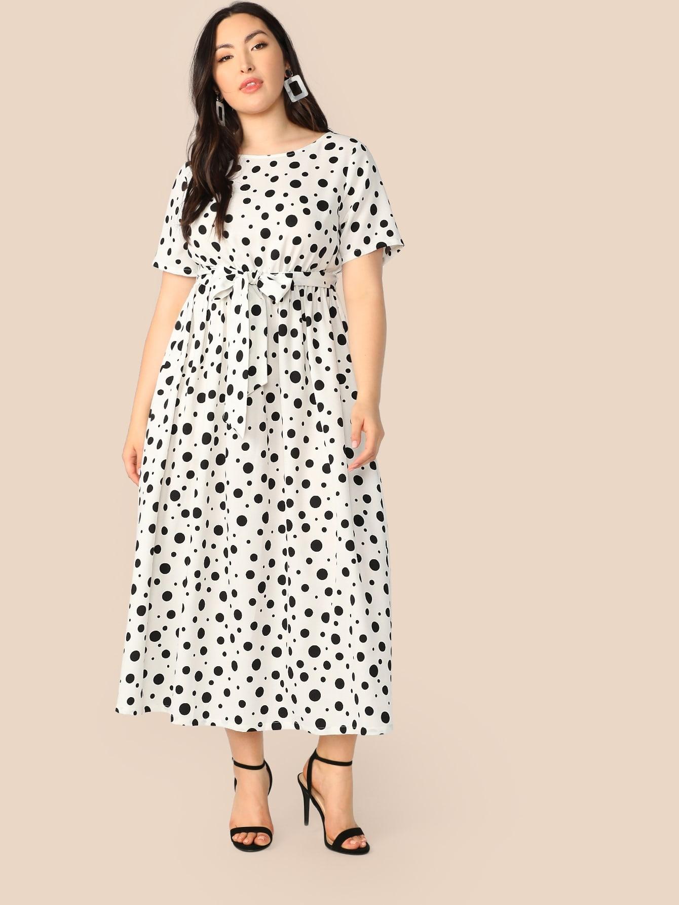 Фото - Платье в горошек с поясом размера плюс от SheIn цвет чёрнобелые