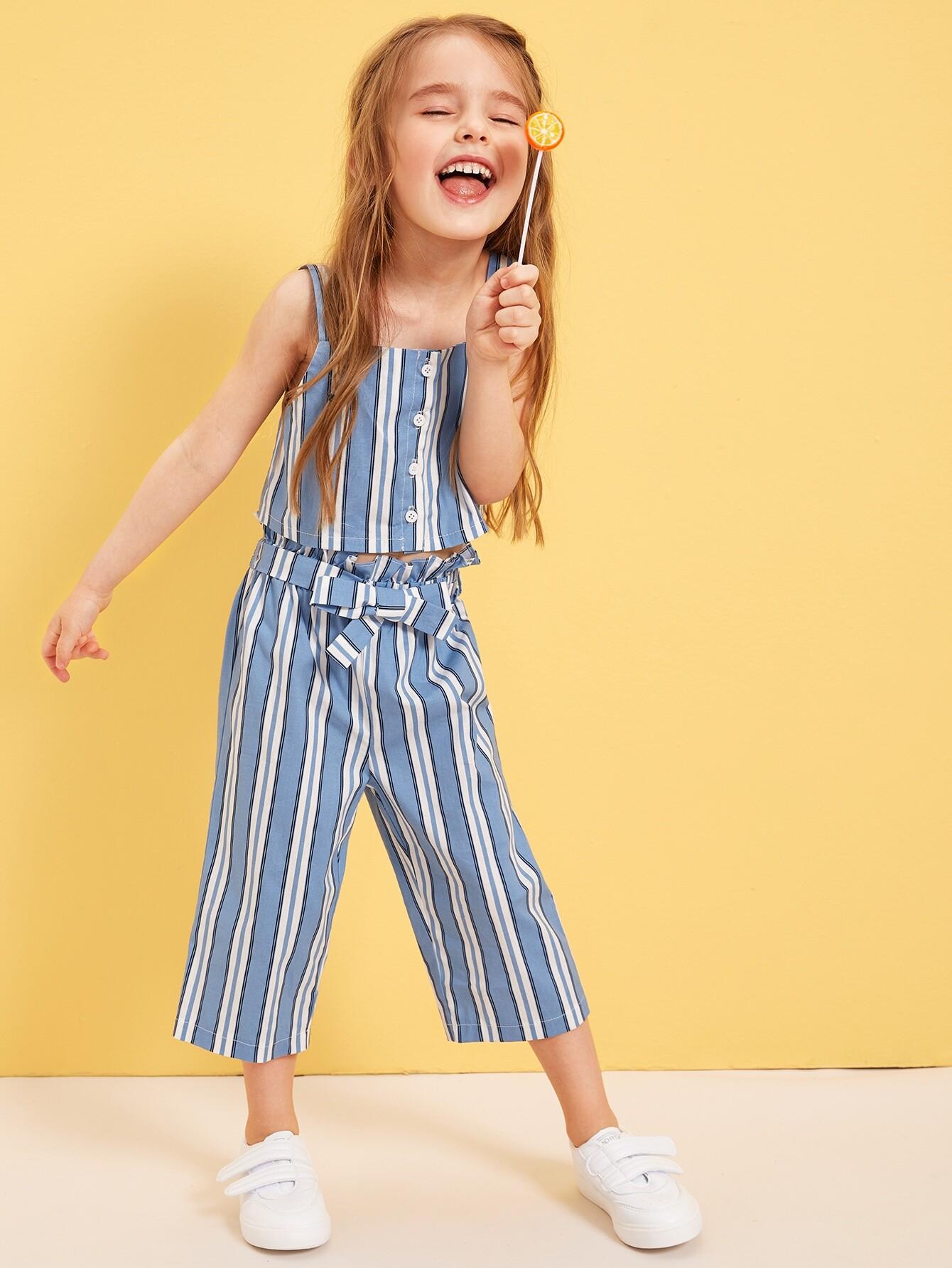 Фото - Полосатая блузка и брюки с присборенной талией для девочек от SheIn синего цвета