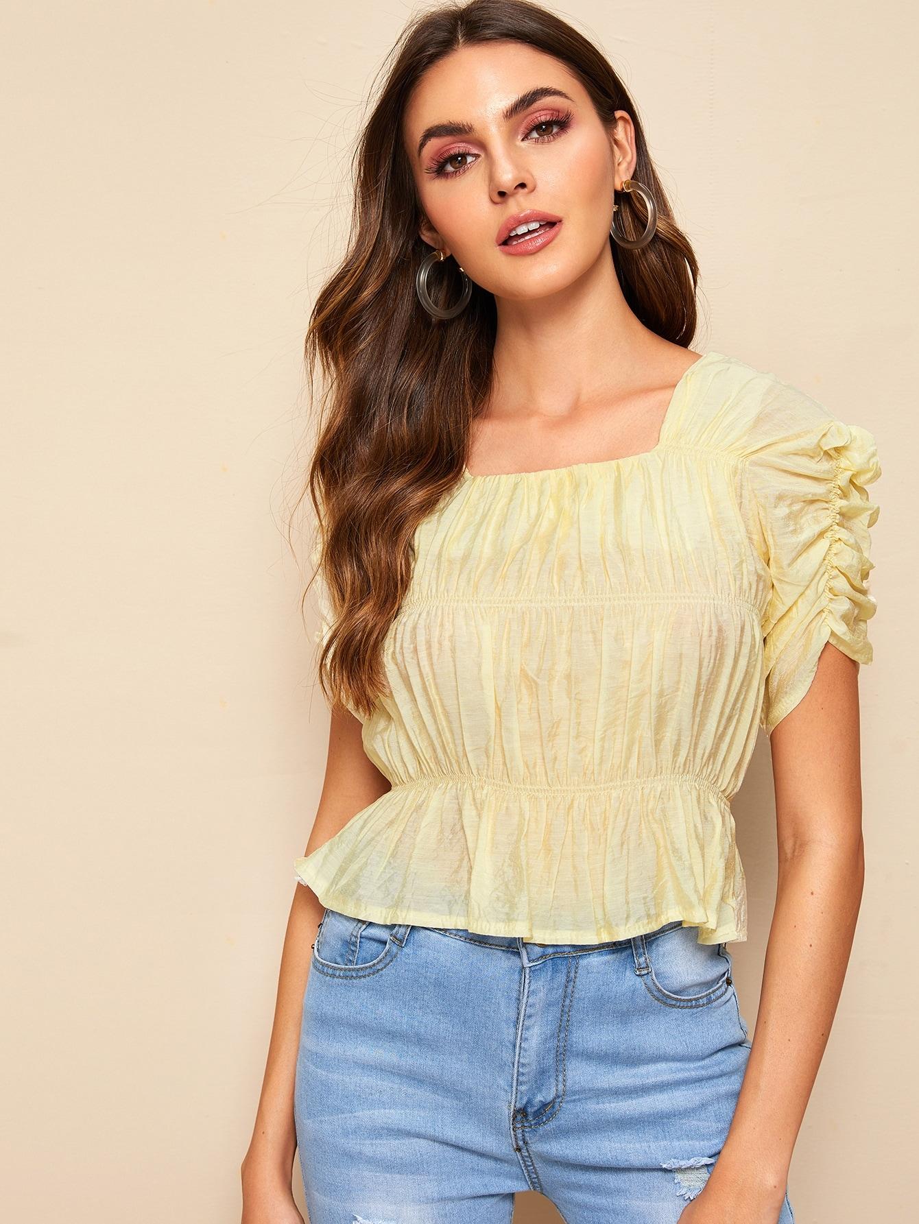 Фото - Однотонная блуза со сборками и оборками от SheIn желтого цвета
