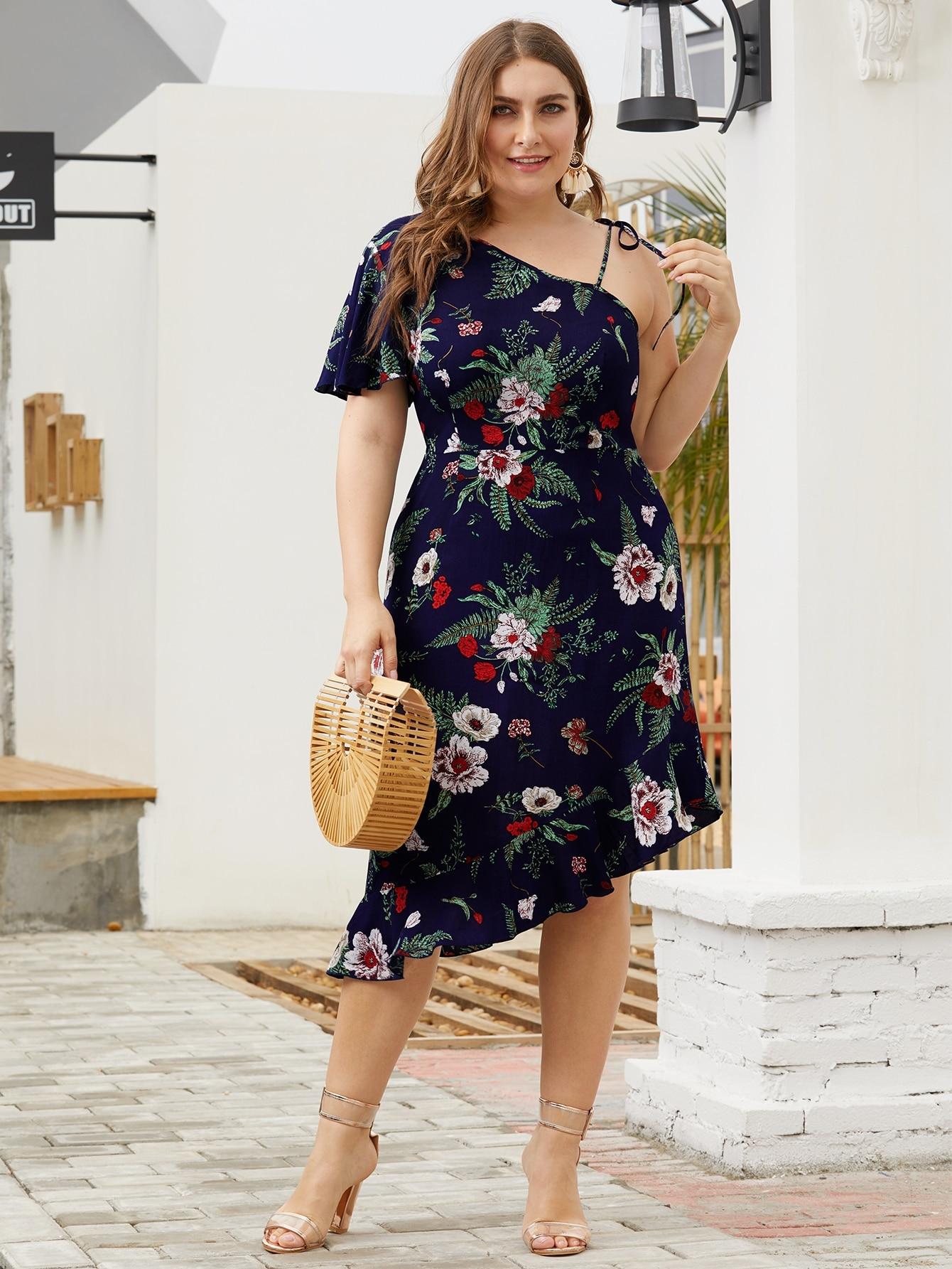 Фото - Платье с оборками и цветочным принтом размера плюс от SheIn цвет многихцветные