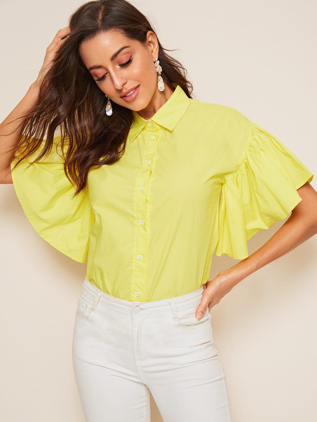 Фото - Блузу с рукавами бабочка и пуговицами от SheIn желтого цвета