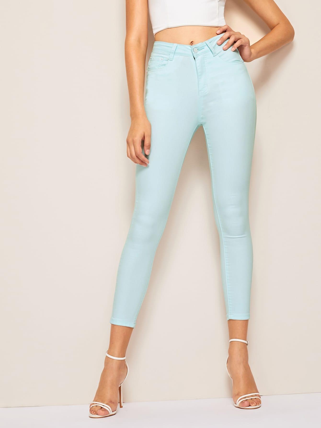 Фото - Облегающие однотонные джинсы от SheIn синего цвета