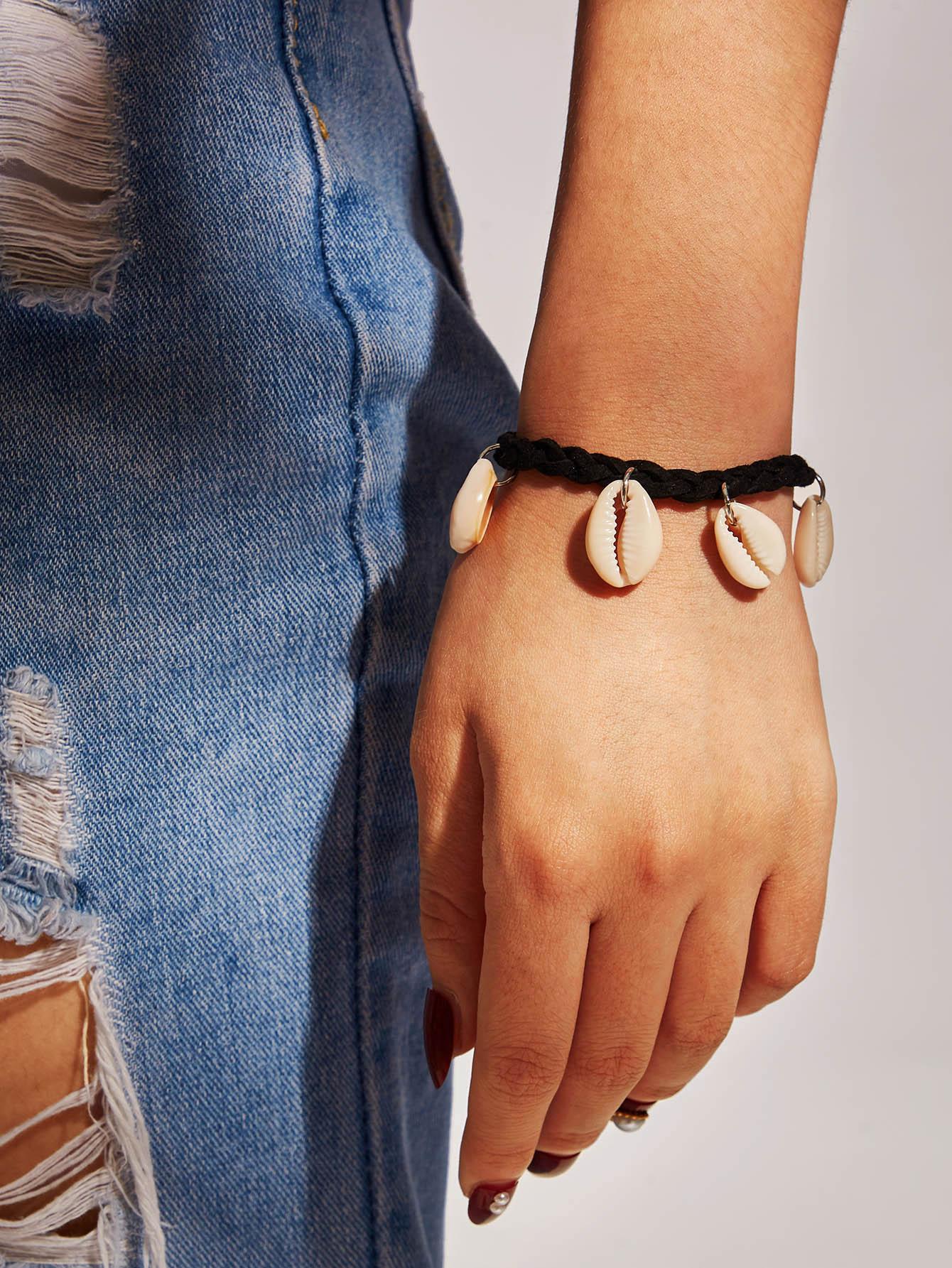 Фото - Плетеный браслет с ракушками 1 шт. от SheIn черного цвета
