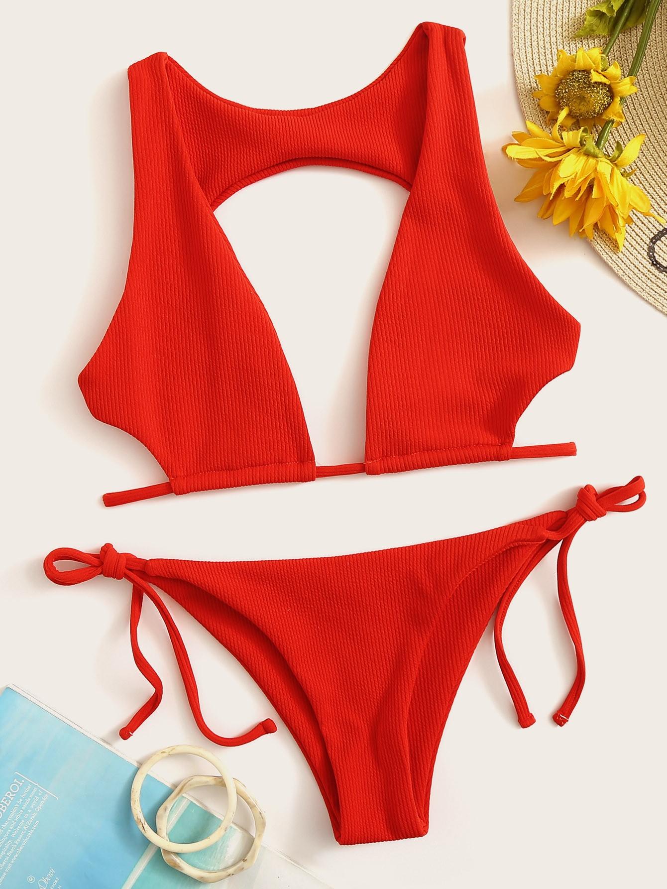 Фото - Бикини в рубчик с открытой спинкой и завязками по бокам от SheIn красного цвета