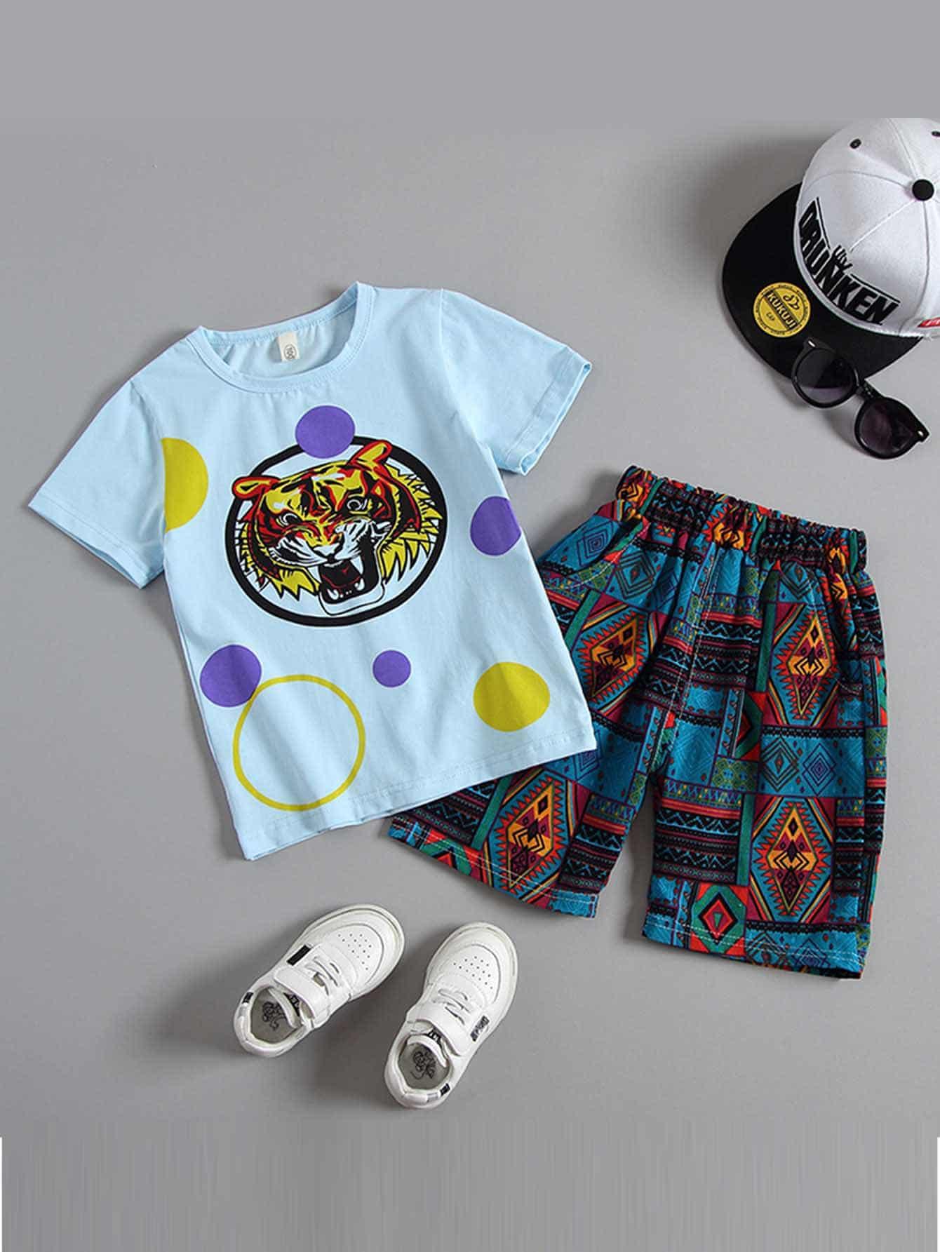 Фото - Футболку с принтом тигра и шорты с тропическим принтом для мальчиков от SheIn цвет многоцветный