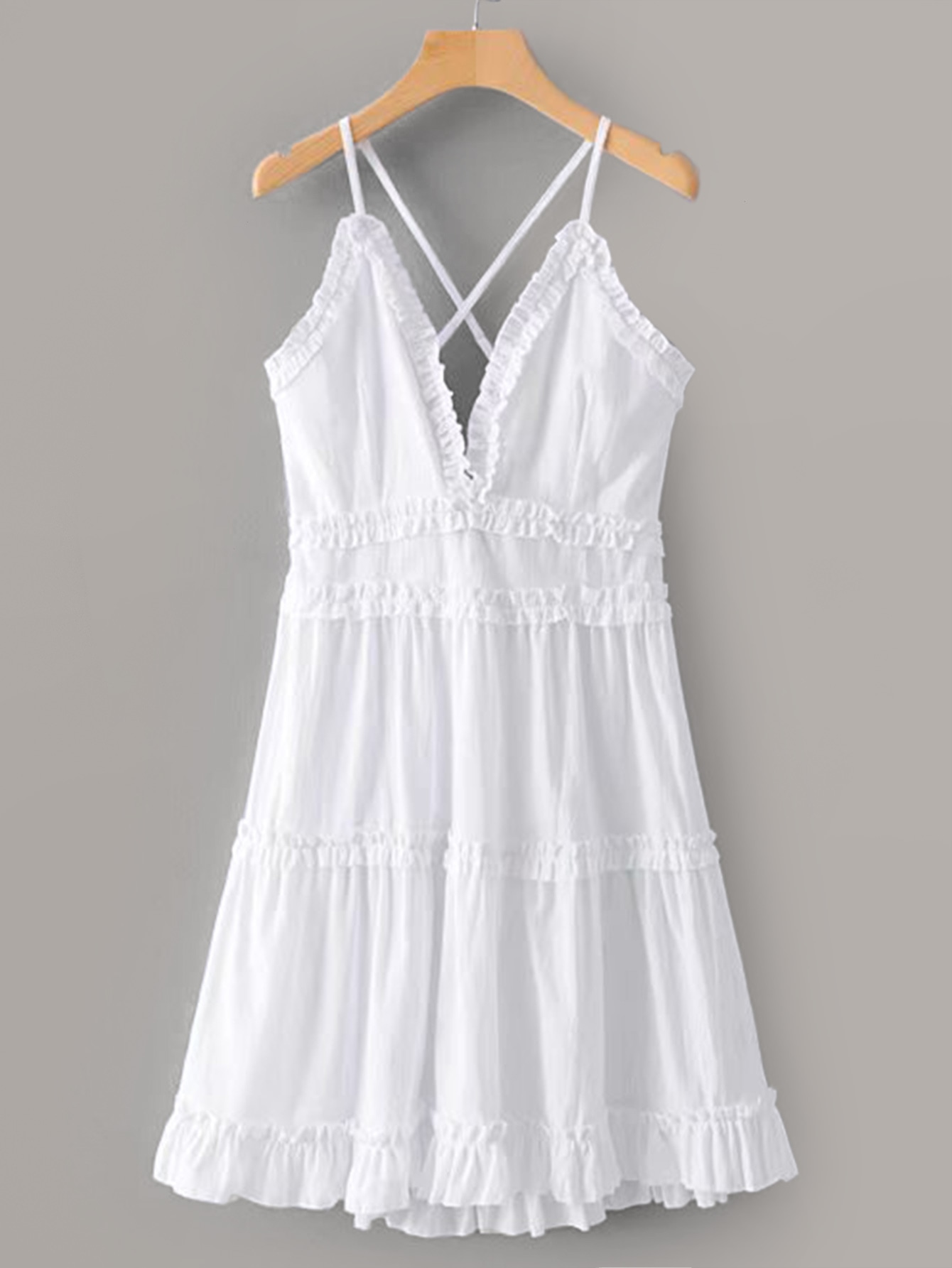 Фото - Стильное платье на бретелях от SheIn цвет белые