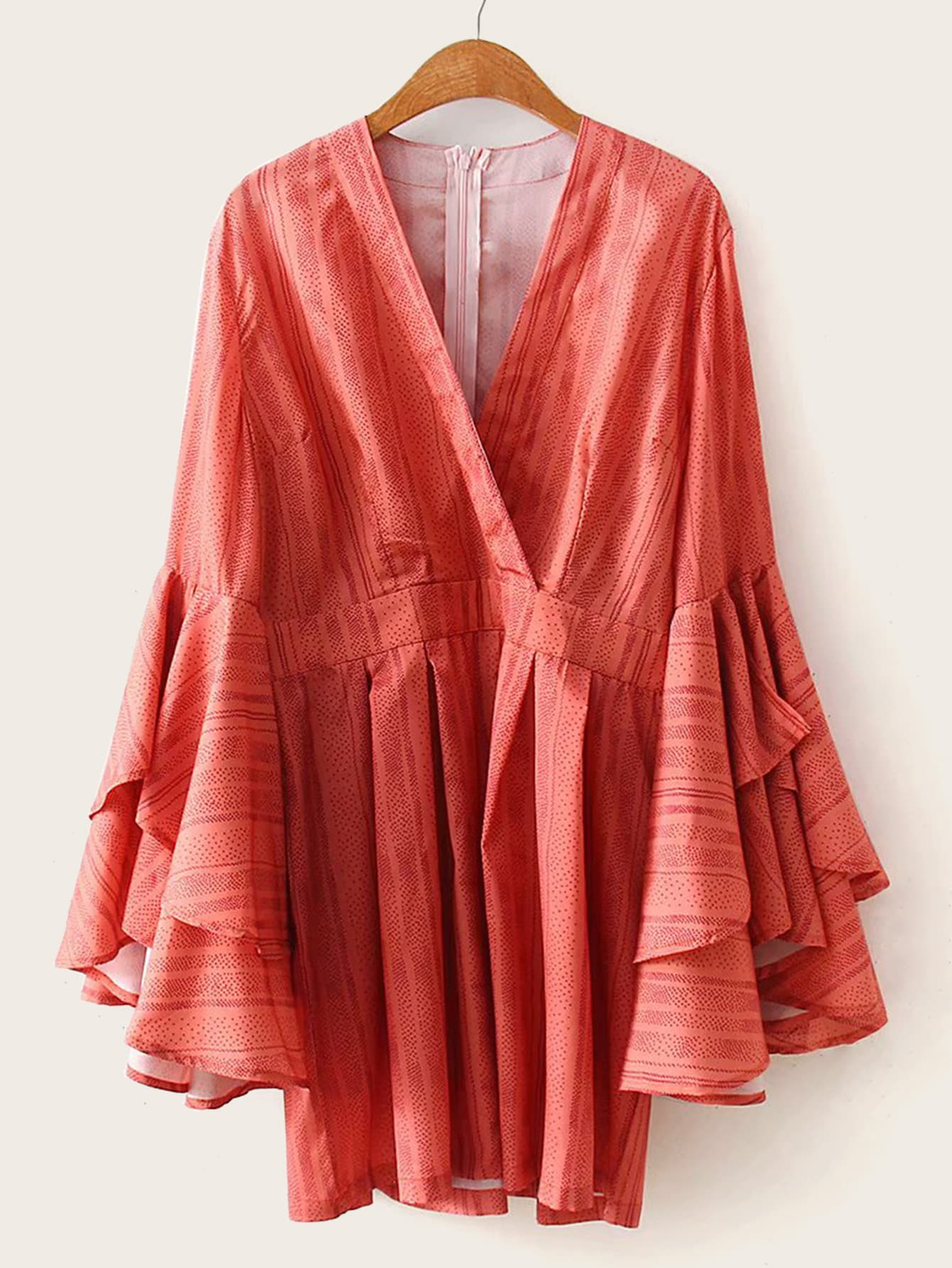 Фото - Комбинезон в горошек с оригинальным рукавом от SheIn оранжевого цвета