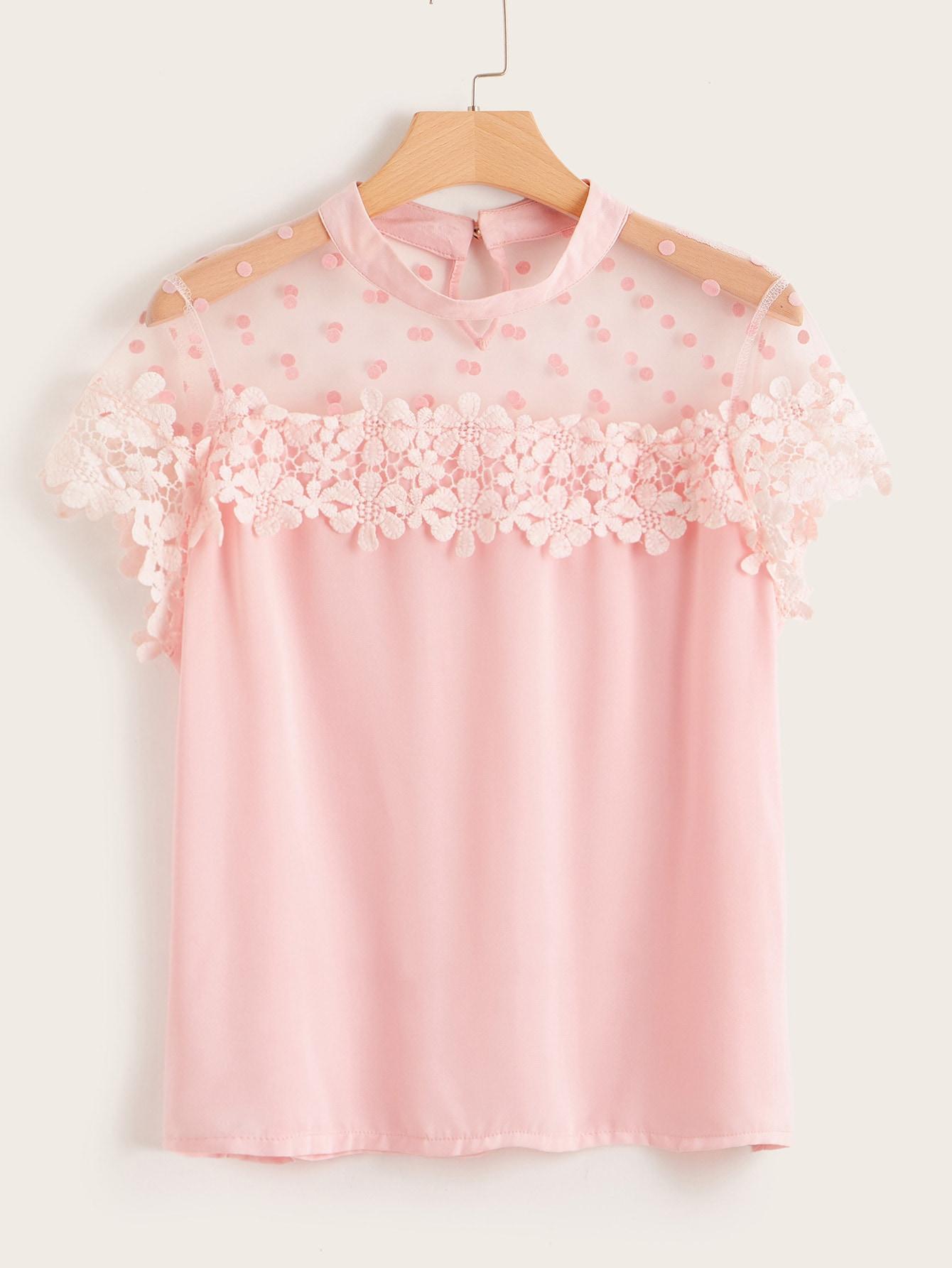Фото - Блузу размера плюс с сетчатыми вставками и кружевом от SheIn цвет розовые