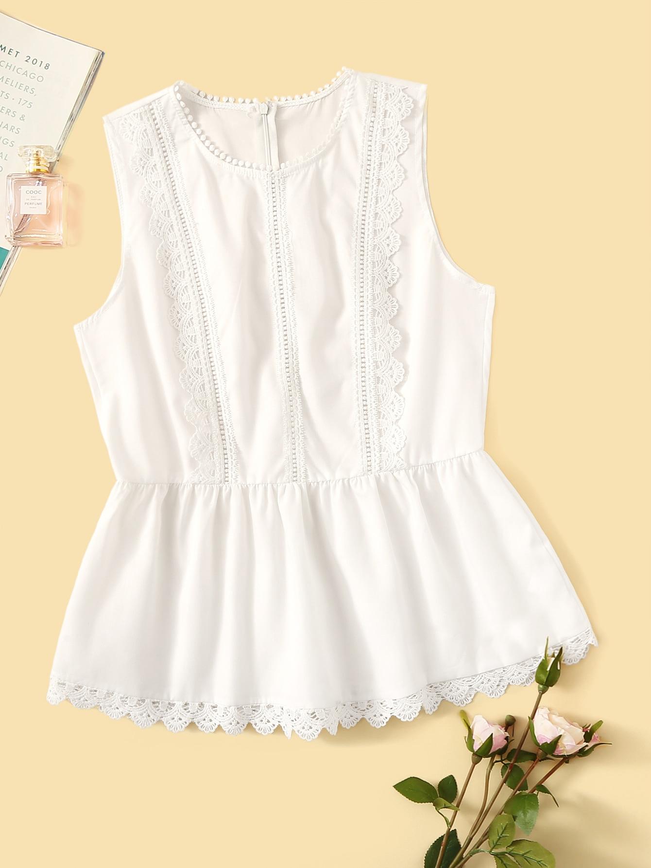 Фото - Блузу с кружевом и молнией сзади от SheIn белого цвета