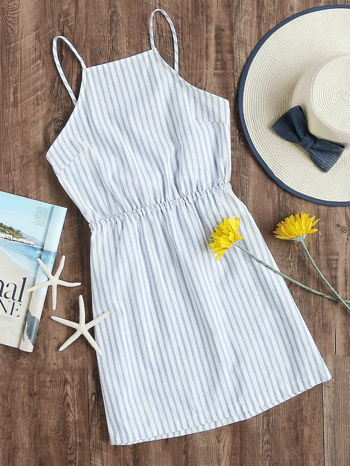Фото - Полосатое платье на бретелях размера плюс от SheIn цвет синие