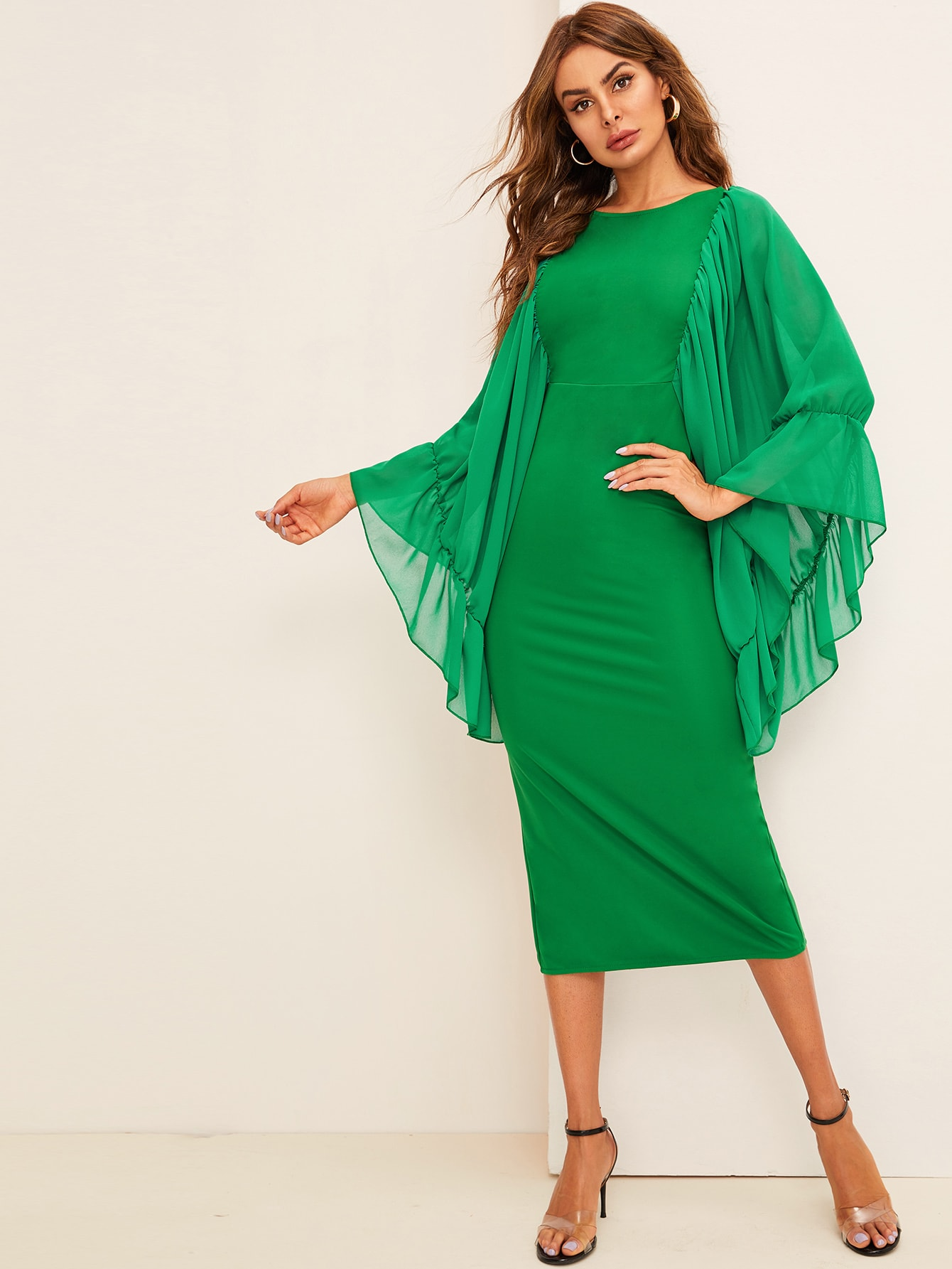 Фото - Платье миди с сетчатыми рукавами и разрезом сзади от SheIn цвет зелёные
