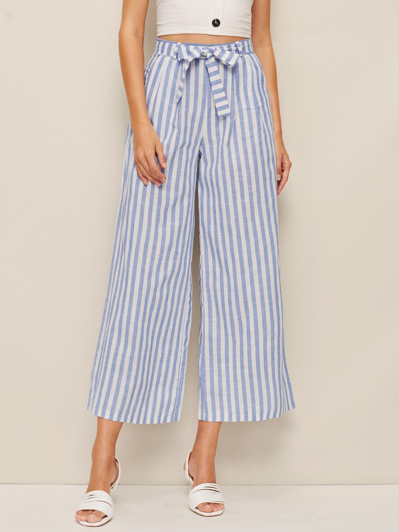 Фото - Полосатые брюки с поясом и молнией сзади от SheIn синего цвета