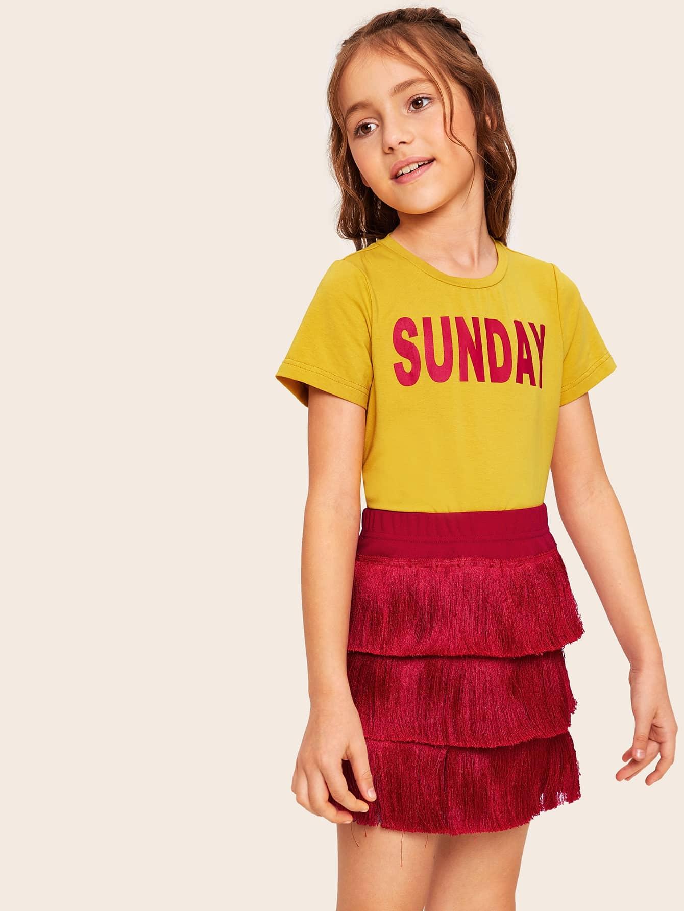 Фото - Топ с текстовым принтом и юбка с бахромой для девочек от SheIn цвет многоцветный