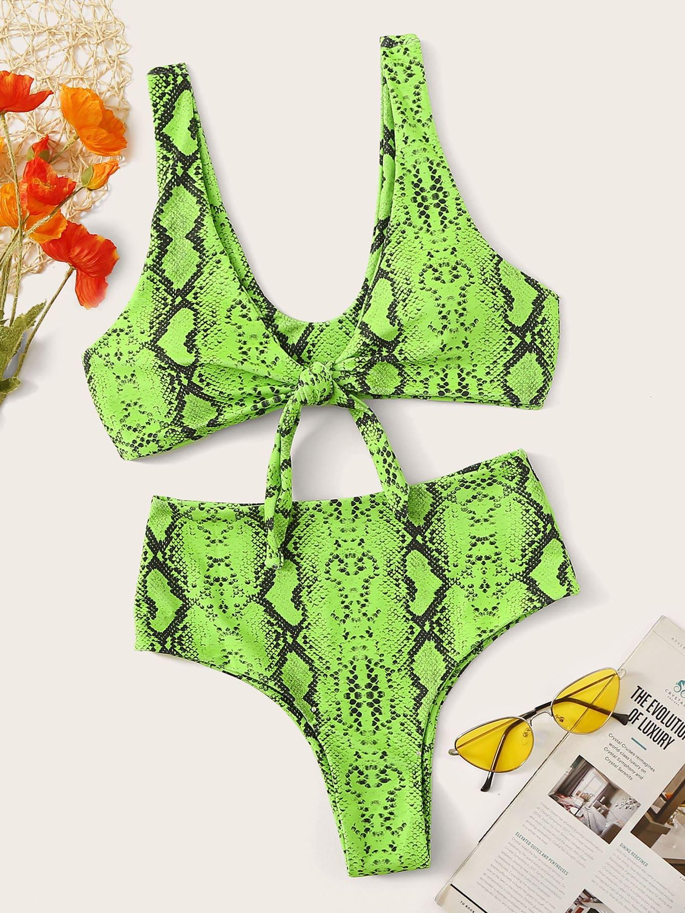 Фото - Бикини с узлом и змеиным принтом от SheIn зеленого цвета