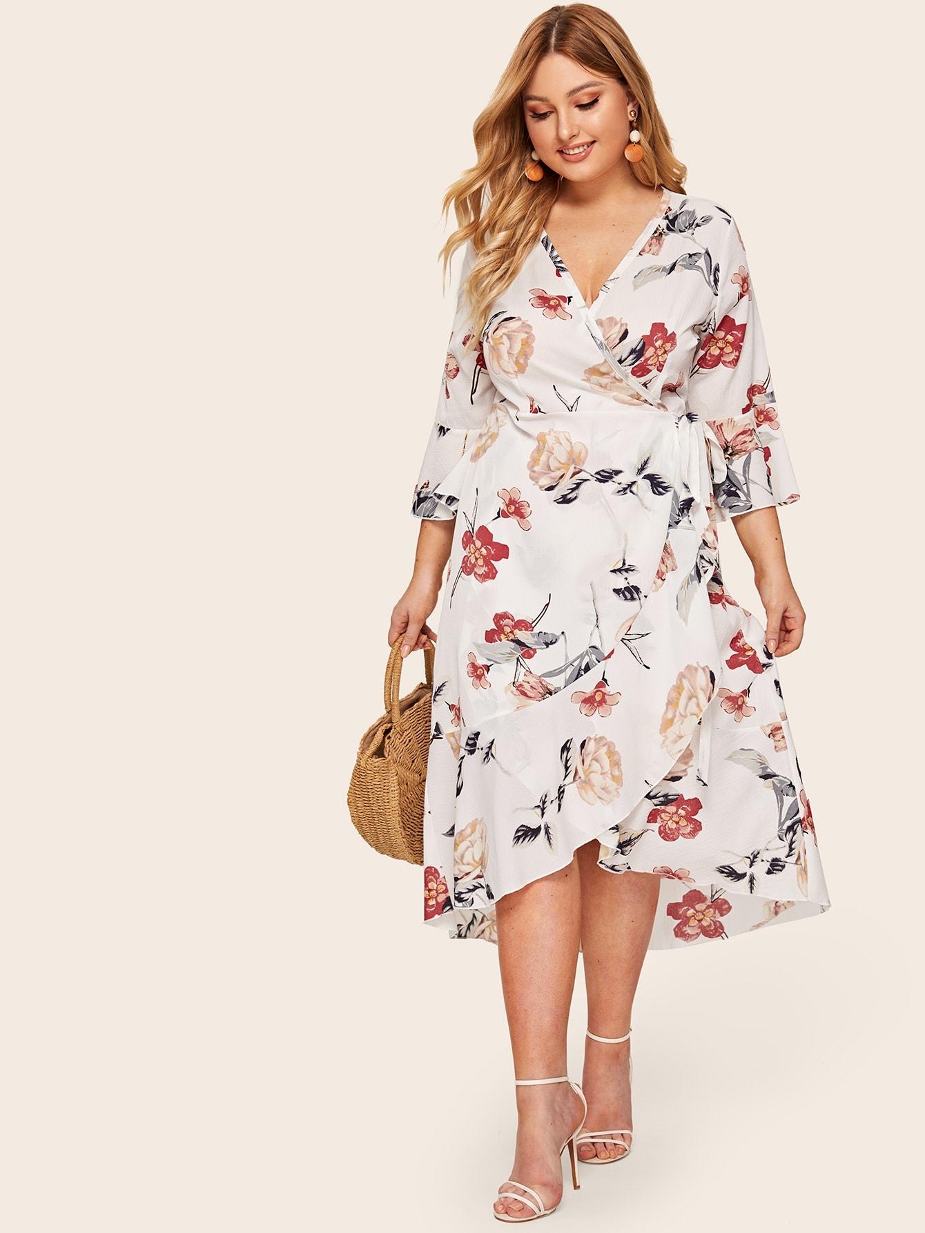 Платье размера плюс с цветочным принтом и узлом