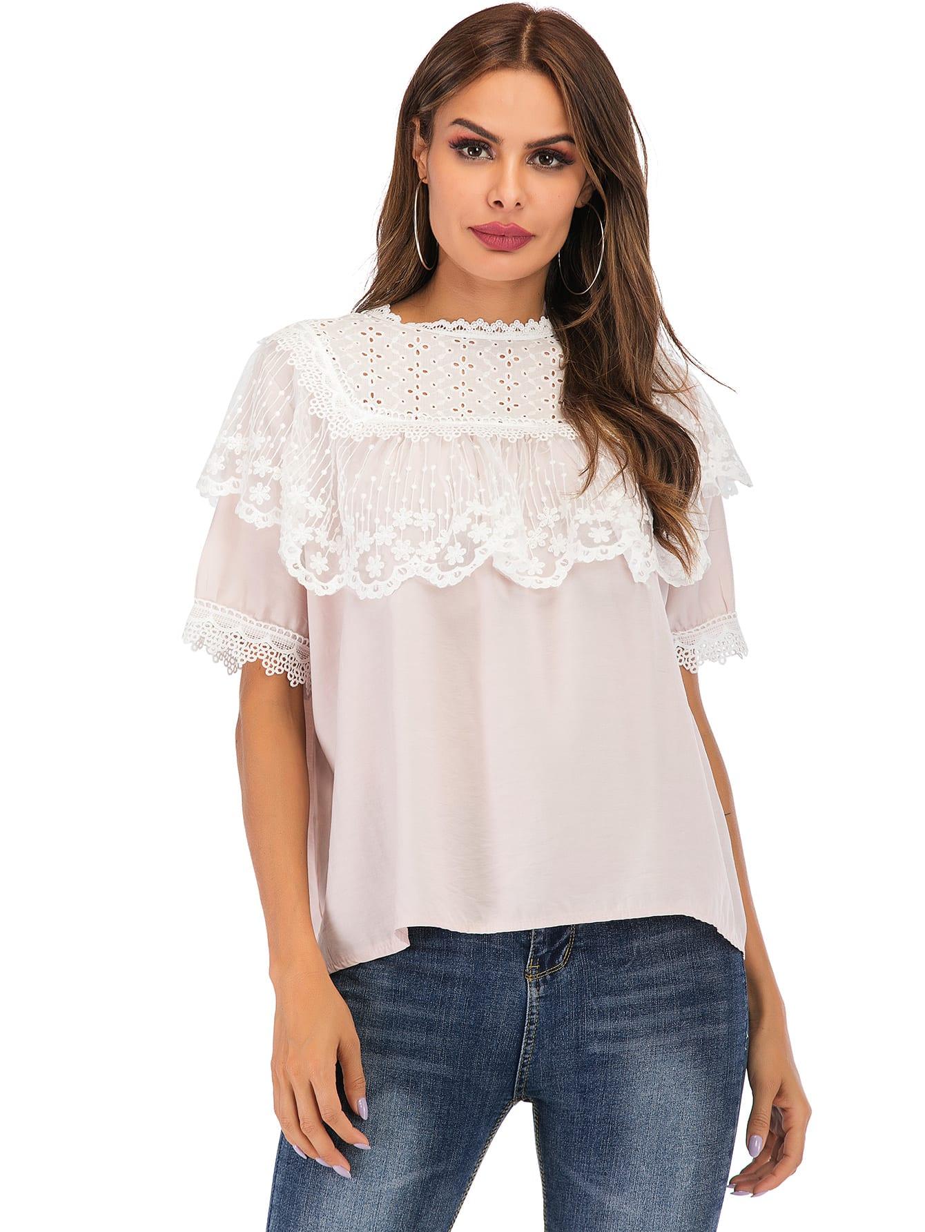 Фото - Однотонная блуза с кружевом от SheIn розового цвета
