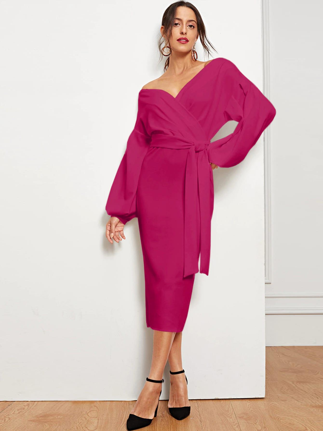 Фото - Платье-карандаш со спущенным рукавом, разрезом и поясом от SheIn цвет розовые