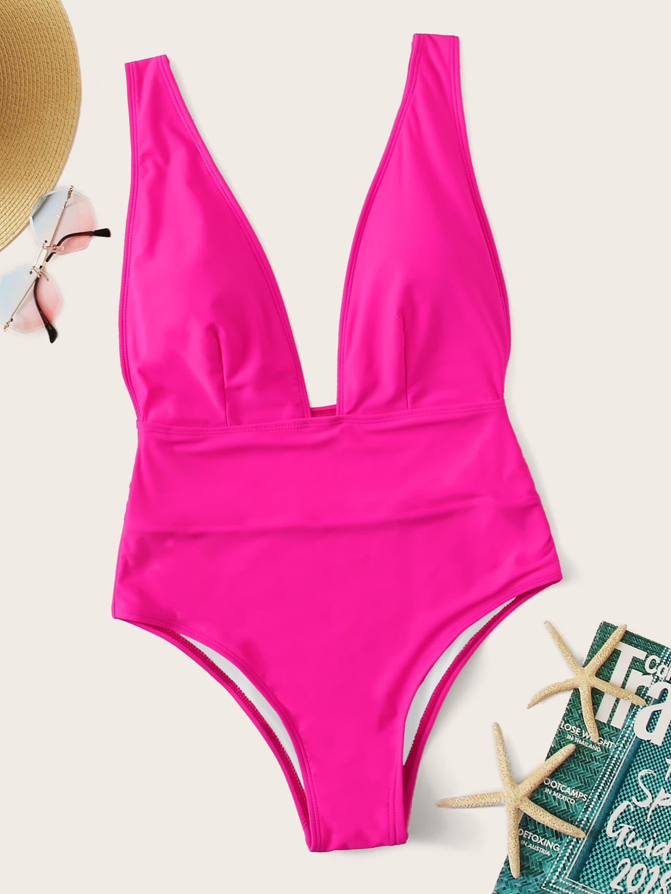 Фото - Слитный купальник с глубоким вырезом от SheIn розового цвета