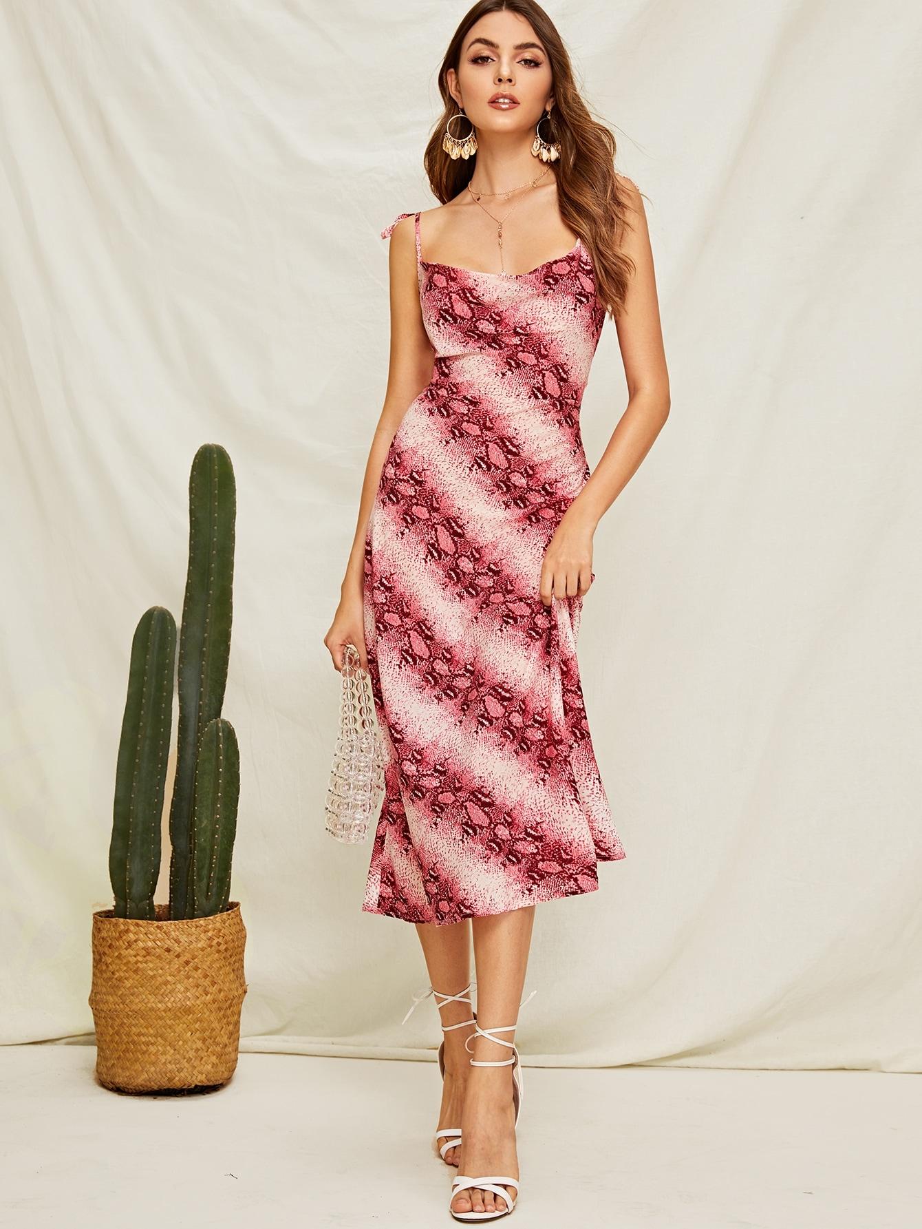 Фото - Платье-комбинация с открытой спинкой и змеиным принтом от SheIn цвет многоцветный