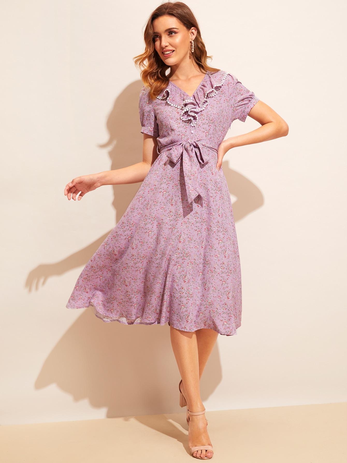 Фото - Цветочное платье миди соборками и поясом от SheIn цвет фиолетовые