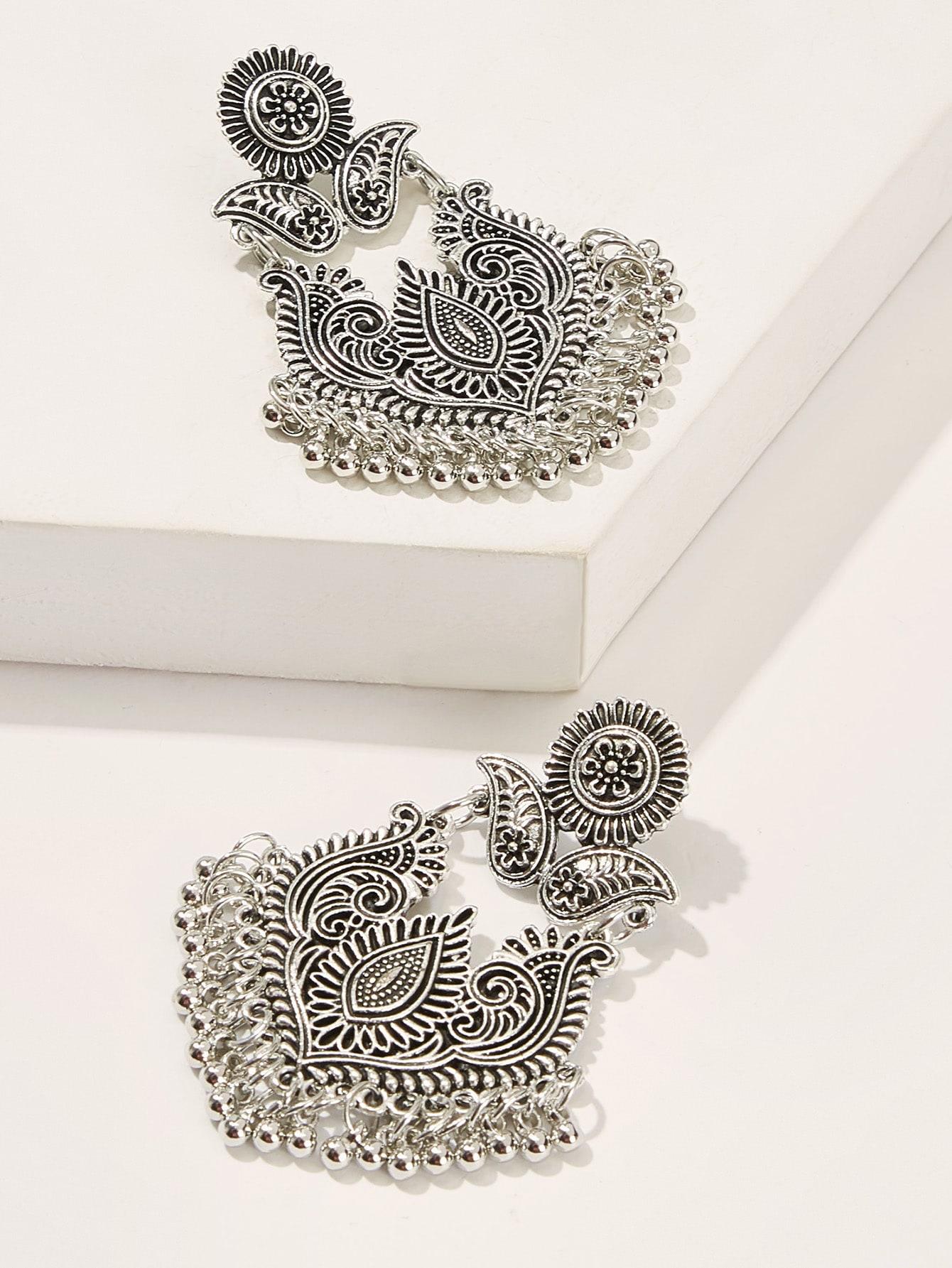 Фото - Серьги с абстрактными цветами и бахромой 1 пара от SheIn цвет серебряные